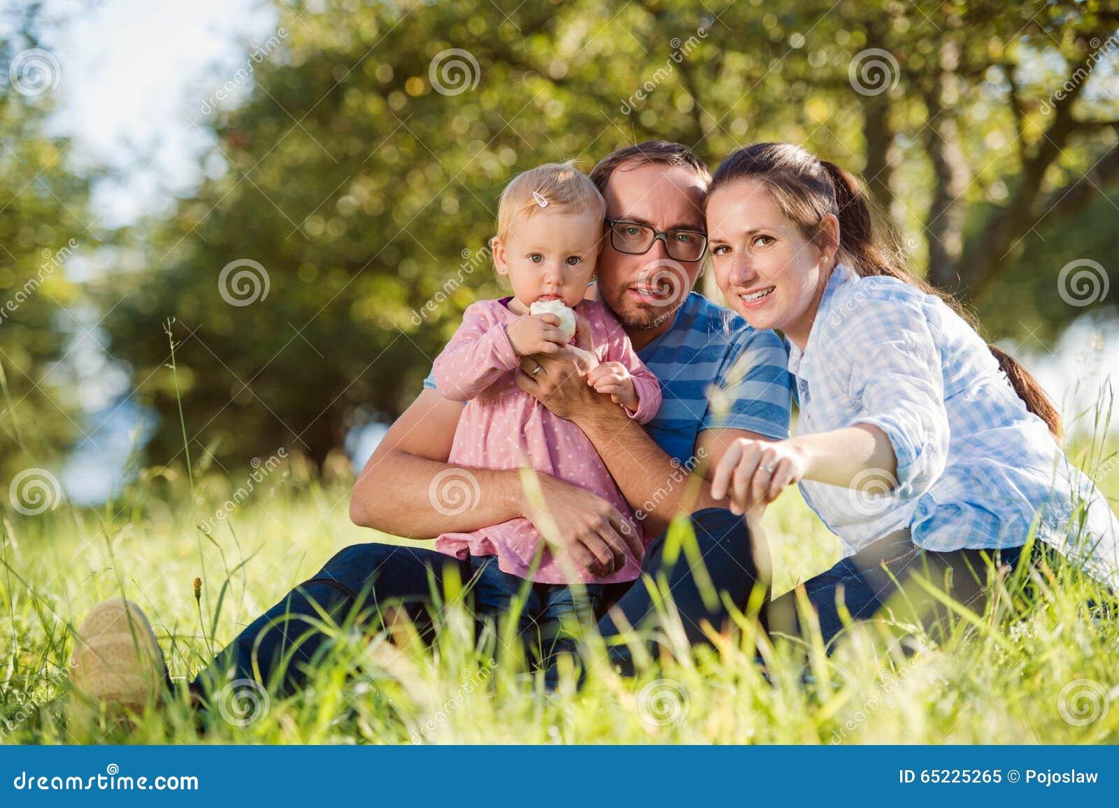 Szczęśliwa rodzina natury