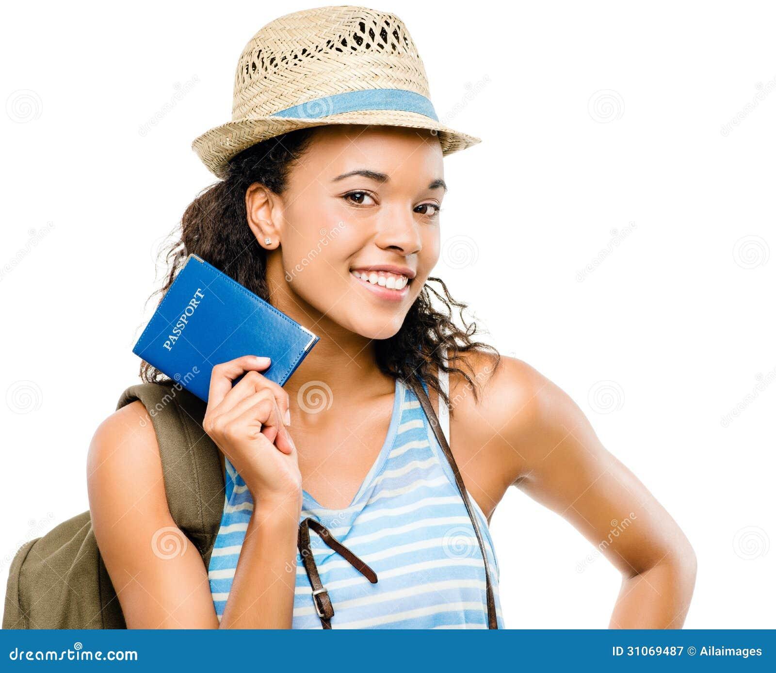 Szczęśliwej amerykanin afrykańskiego pochodzenia kobiety mienia turystyczny paszport