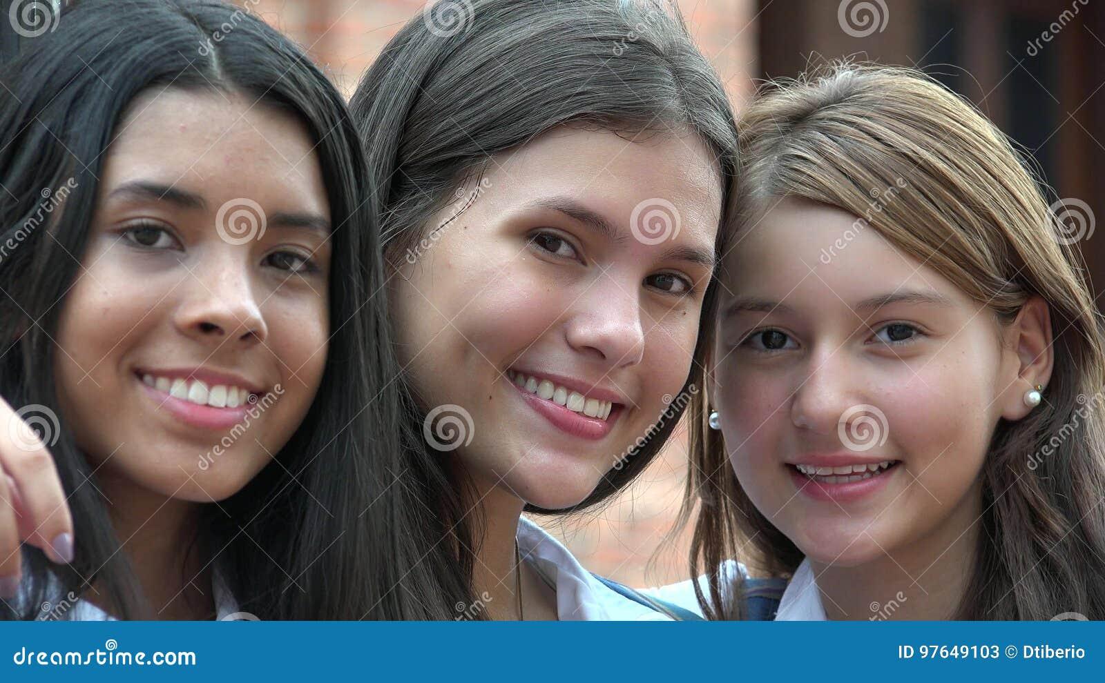 Szczęśliwi przyjaciele płci żeńskiej