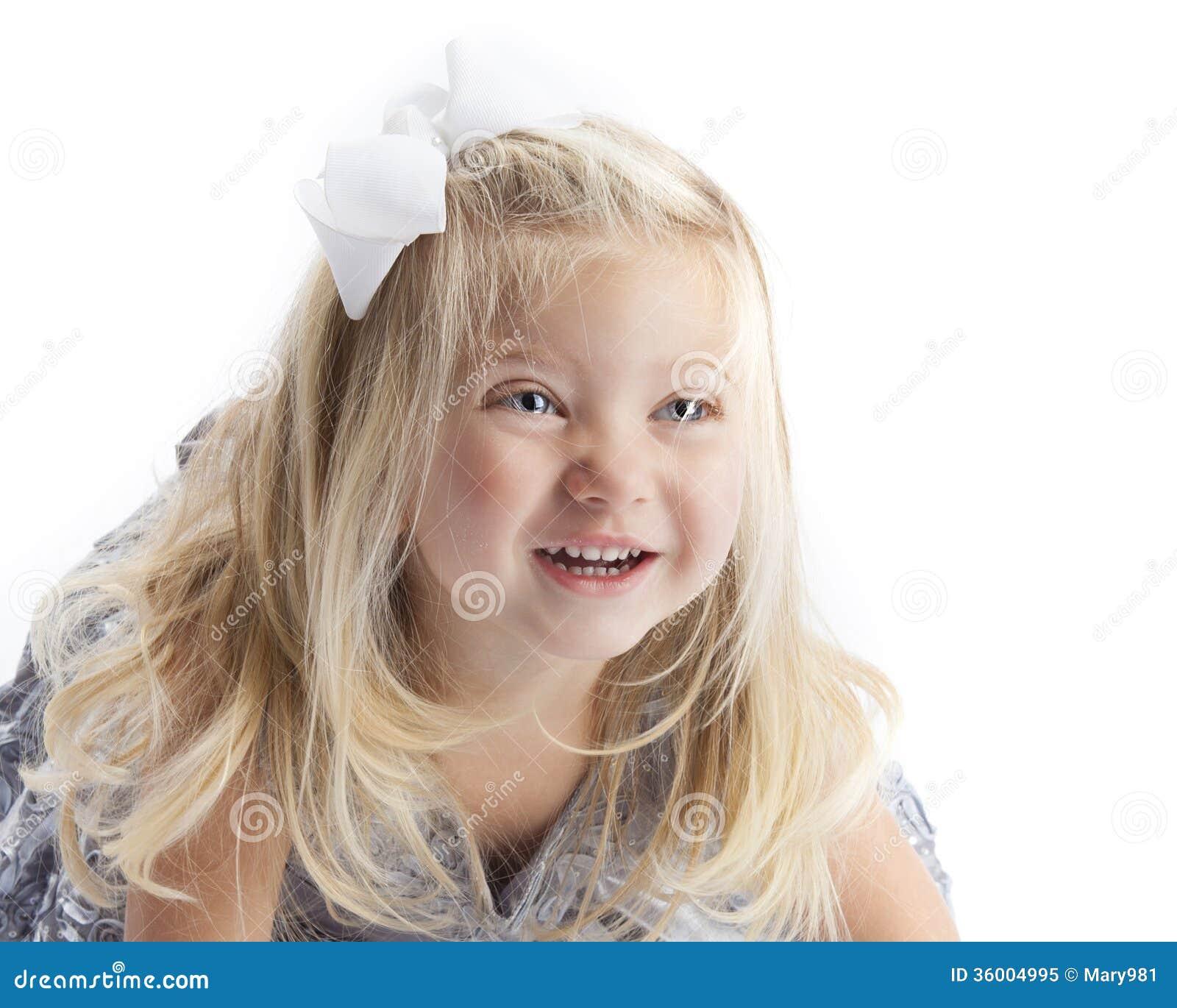 Szczęśliwy Blond dziewczyna bielu tło