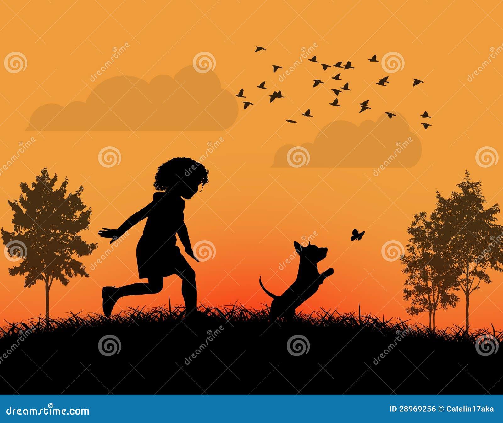 Szczęśliwy dzieciaka bawić się