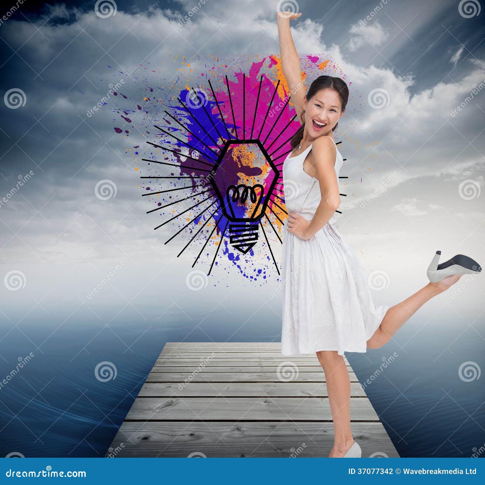 Download Szczęśliwy I Z Klasą Brunetki Pozować Ilustracji - Ilustracja złożonej z żarówka, farba: 37077342