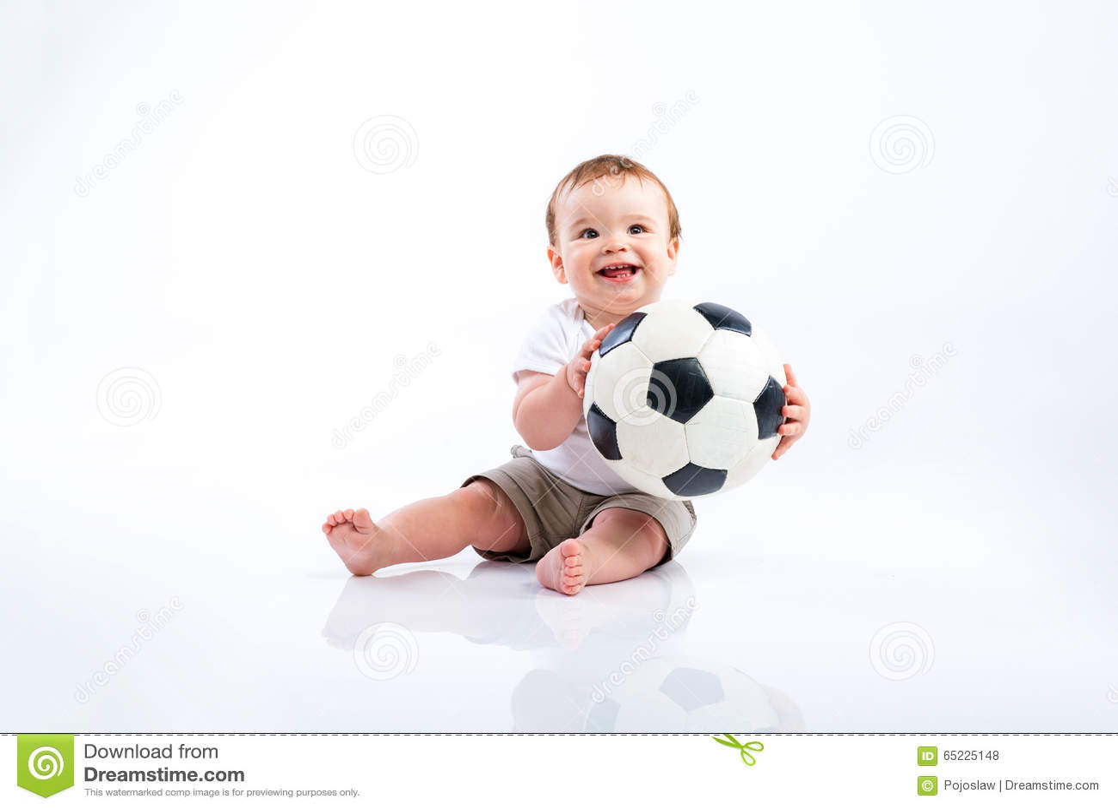 Szczęśliwy mały chłopiec