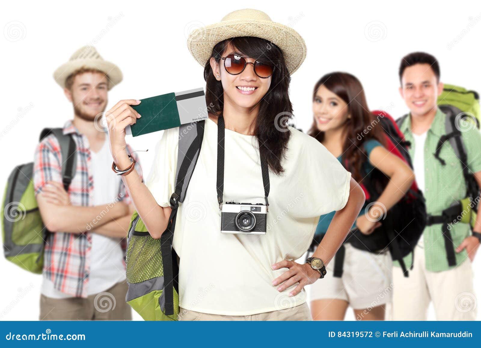 Szczęśliwy z podnieceniem podróżnik