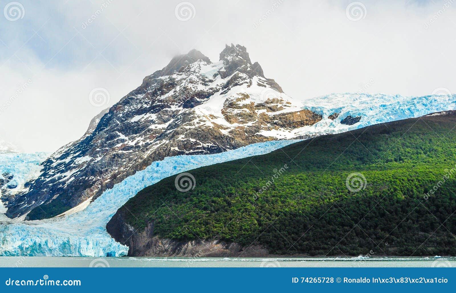 Szczegół lodowiec z górą