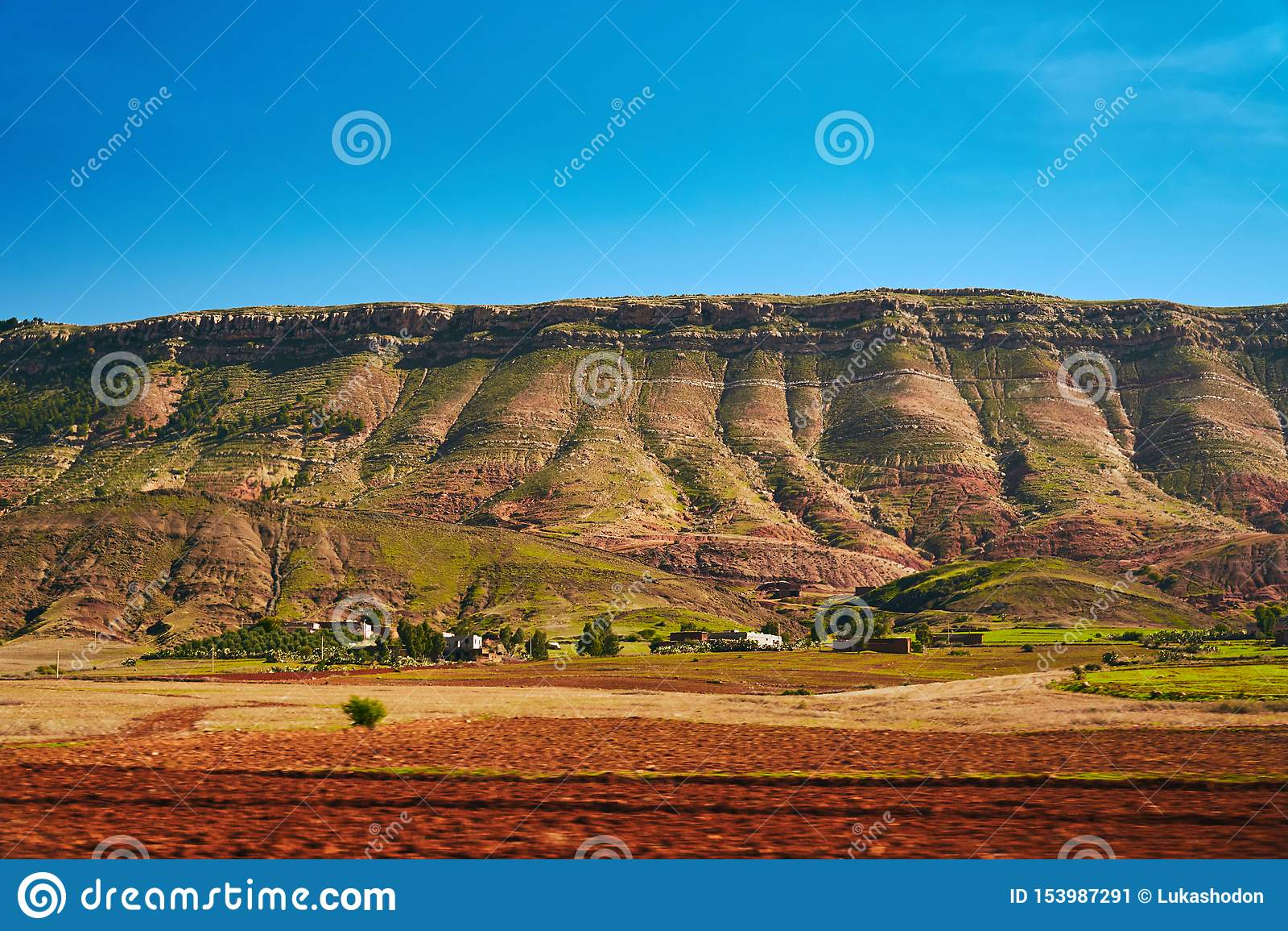 Szczegół tęcz wzgórza Anty atlanta pasmo górskie