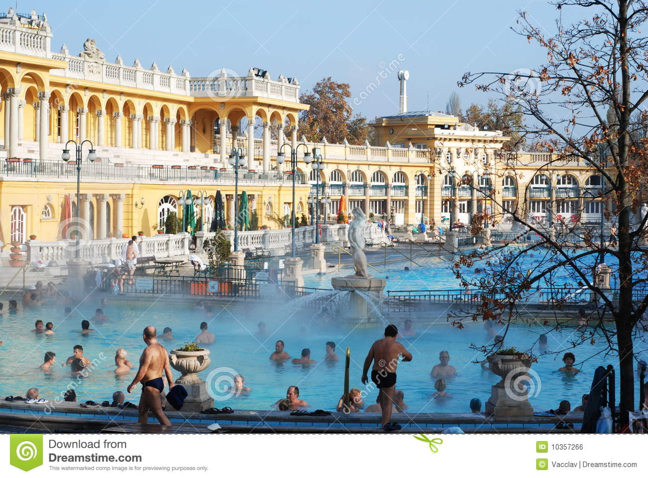 View of the outdoor the sz 233 chenyi spa with a hot springs in budapest
