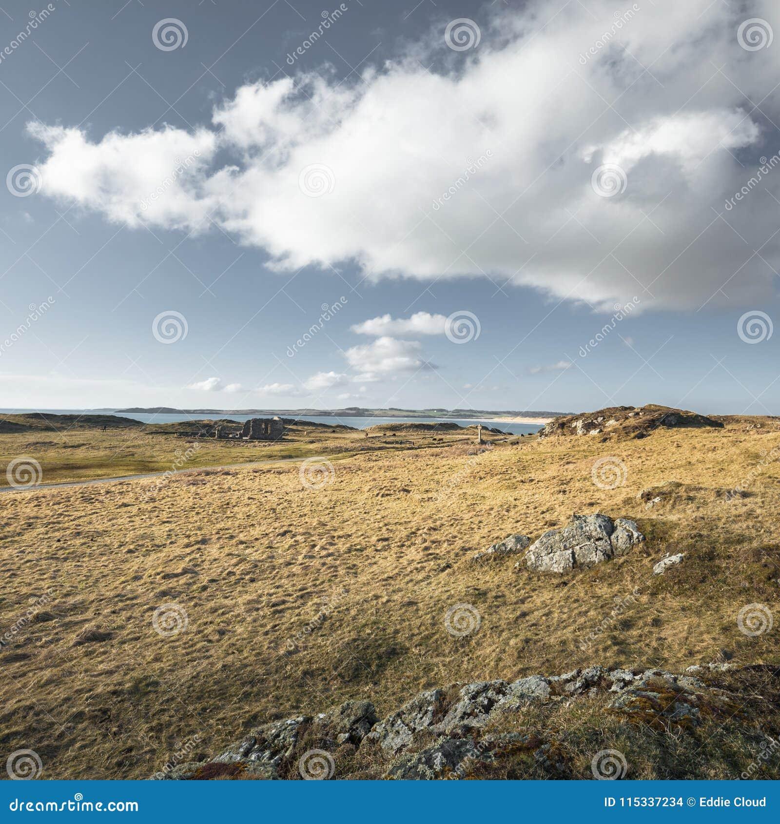 Szenische Gezeiten- Insel Ynys Llandwyn in Nord-Wales