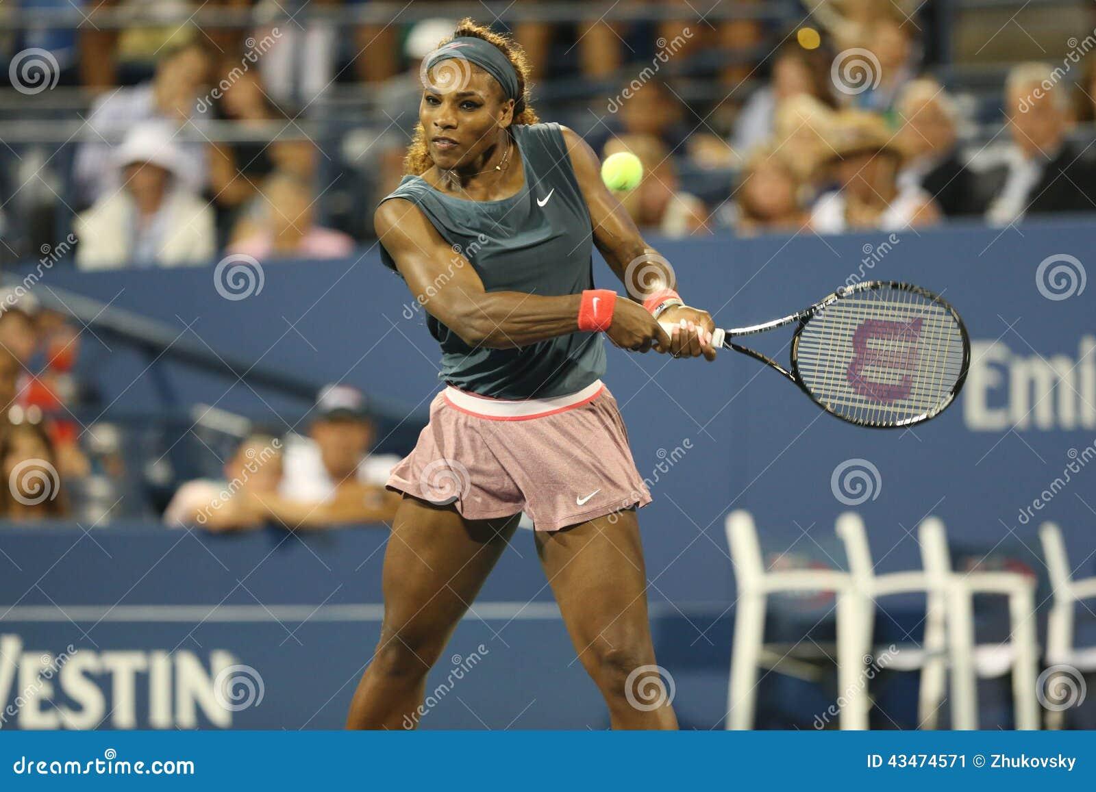 Szesnaście czasów wielkiego szlema mistrz Serena Williams podczas pierwszy round kopii dopasowywa z współczłonkiem drużyny Venus