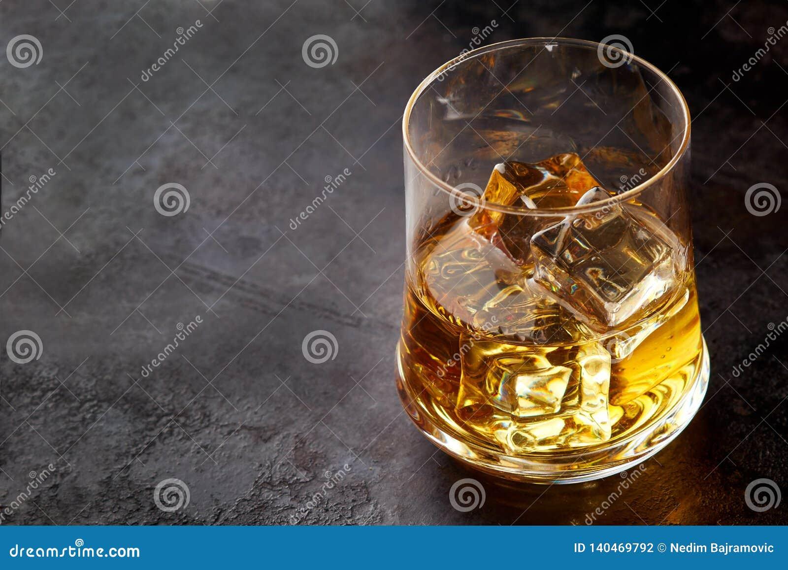 Szklankę whisky