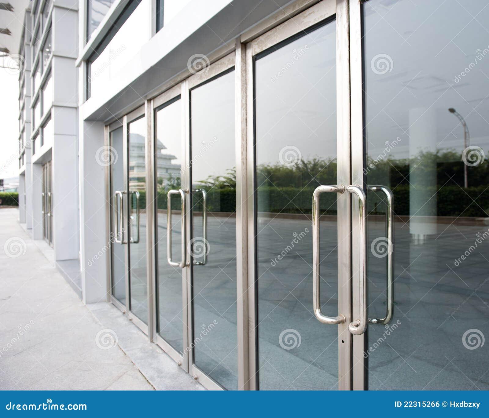 Szklany drzwi