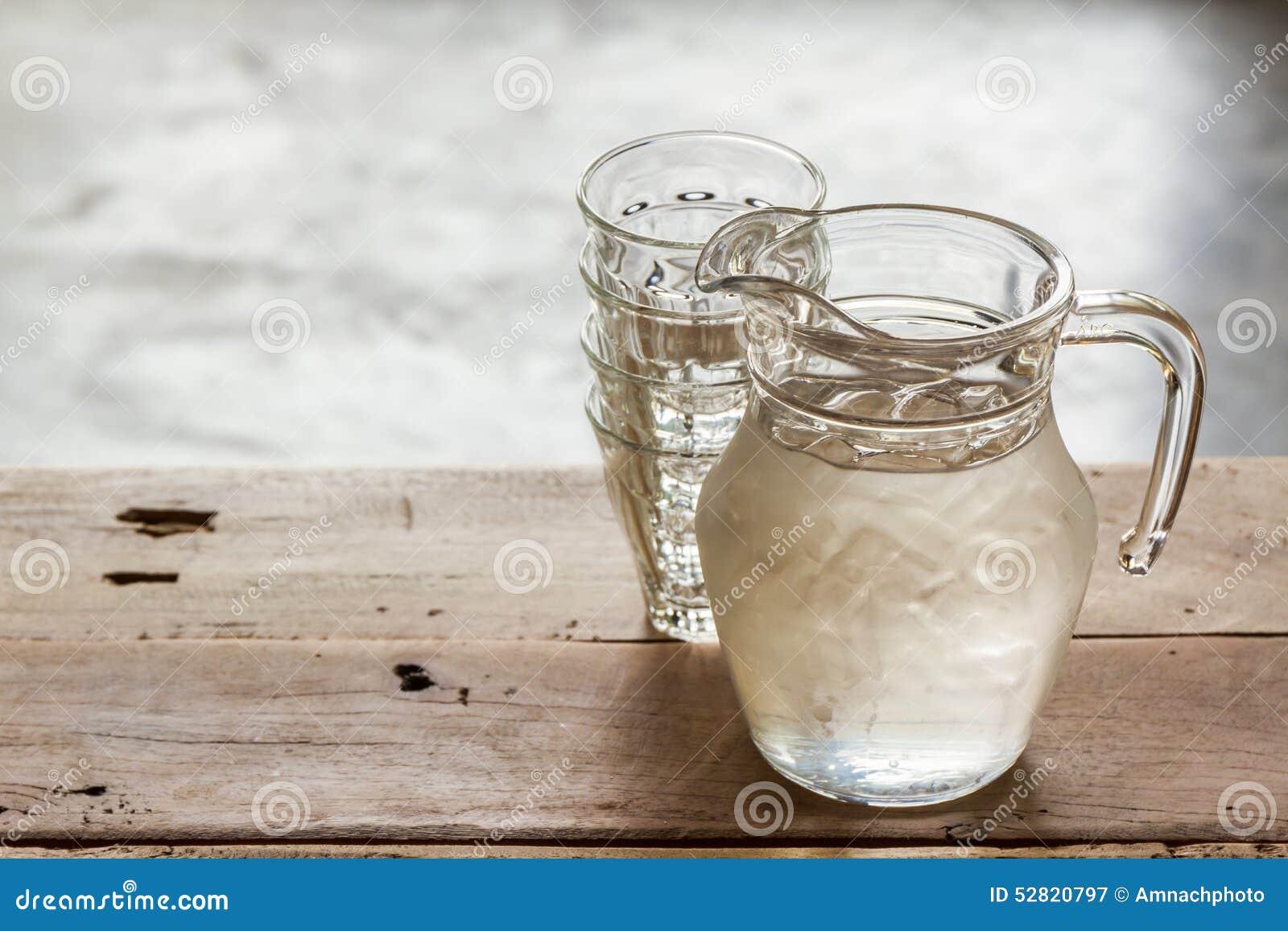 Szklany miotacz woda i szkło