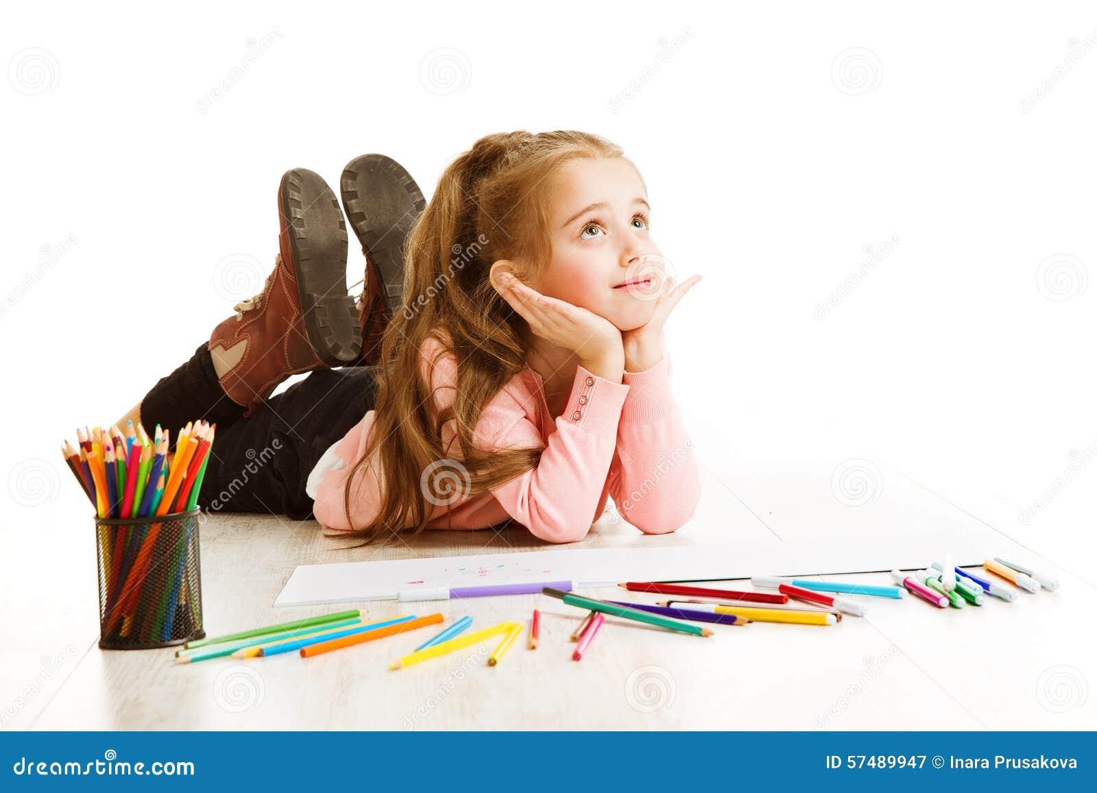 Szkolny dzieciaka główkowanie, edukaci inspiracja, dziecko dziewczyny Marzyć