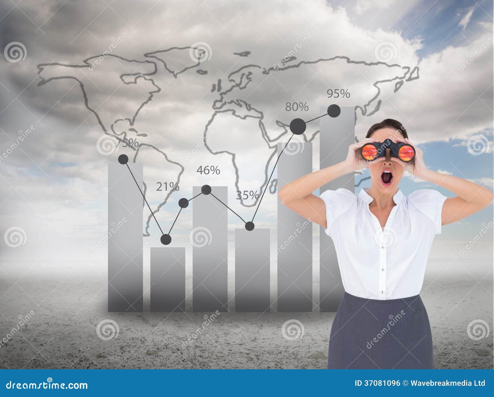 Download Szokujący Elegancki Bizneswoman Patrzeje Przez Lornetek Zdjęcie Stock - Obraz złożonej z błękitny, jeden: 37081096