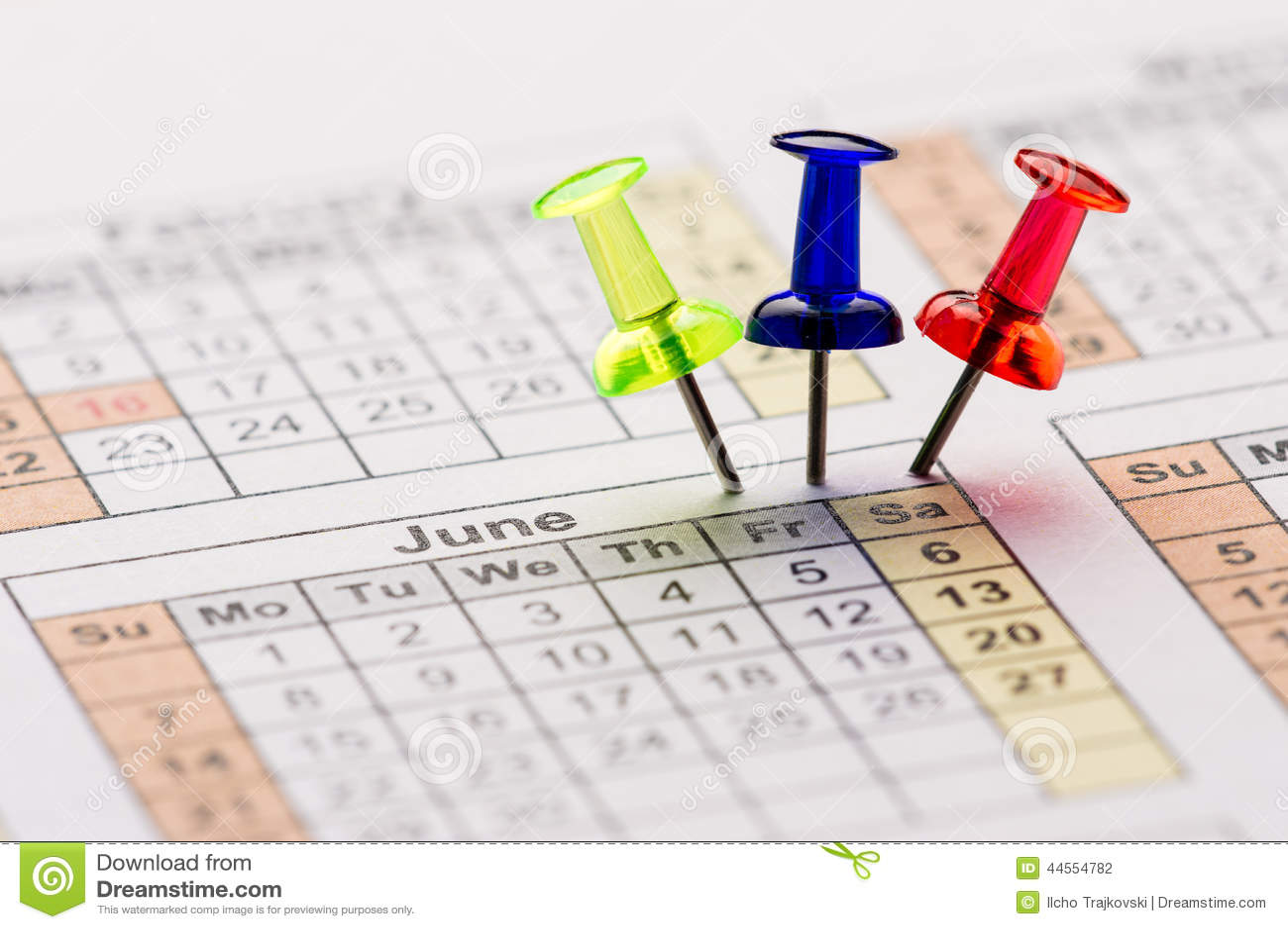 Szpilki na kalendarzu