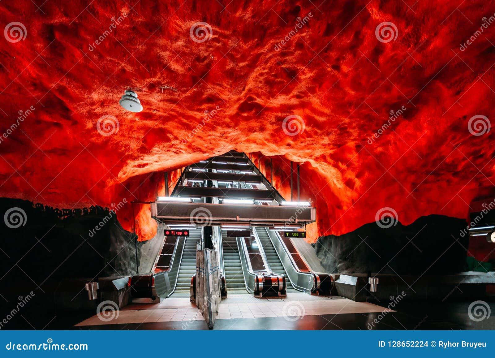 Sztokholm, Szwecja Eskalator w Sztokholm metra metrze Subw