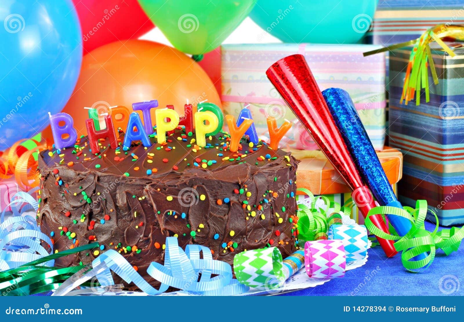 Szybko się zwiększać szczęśliwego urodzinowego tort