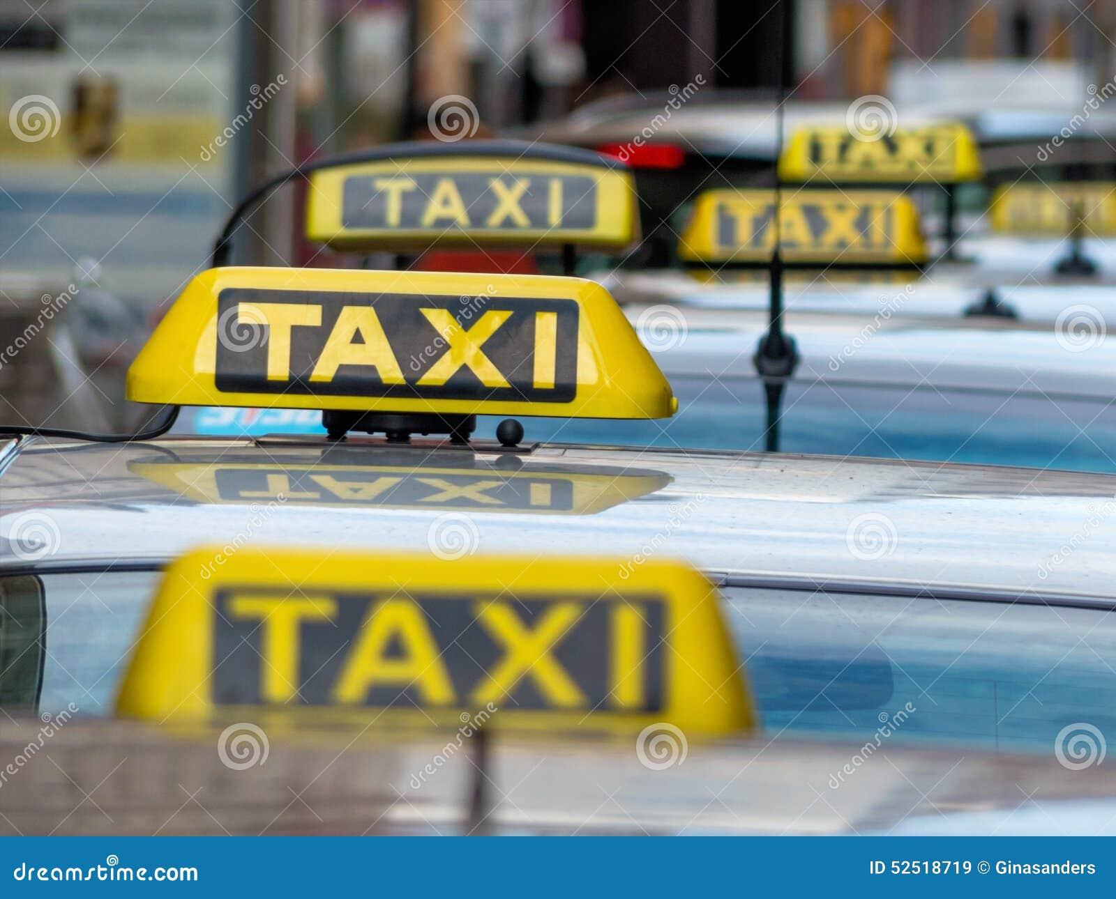 Táxis em um grau de táxi