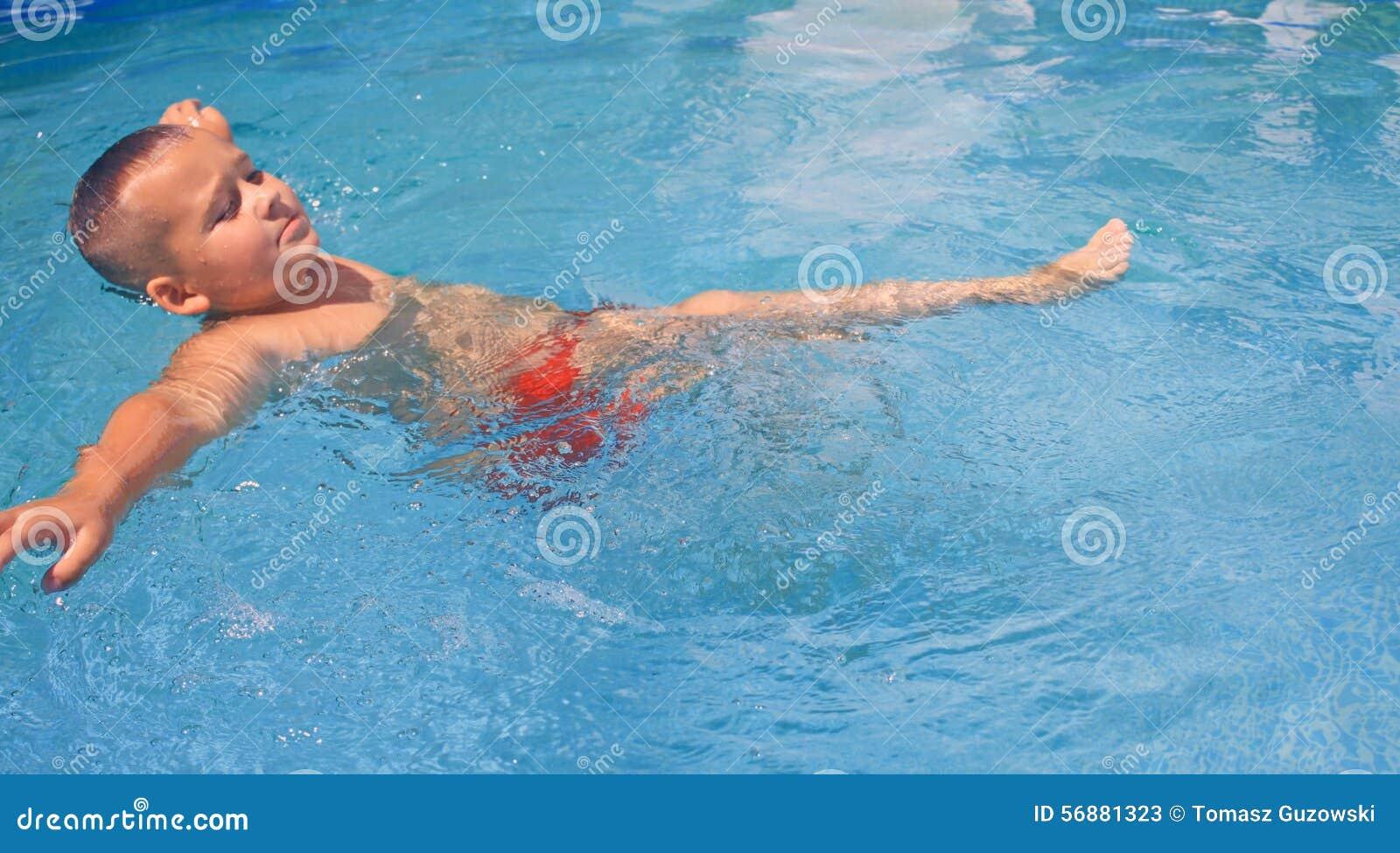Tätigkeiten auf dem Pool