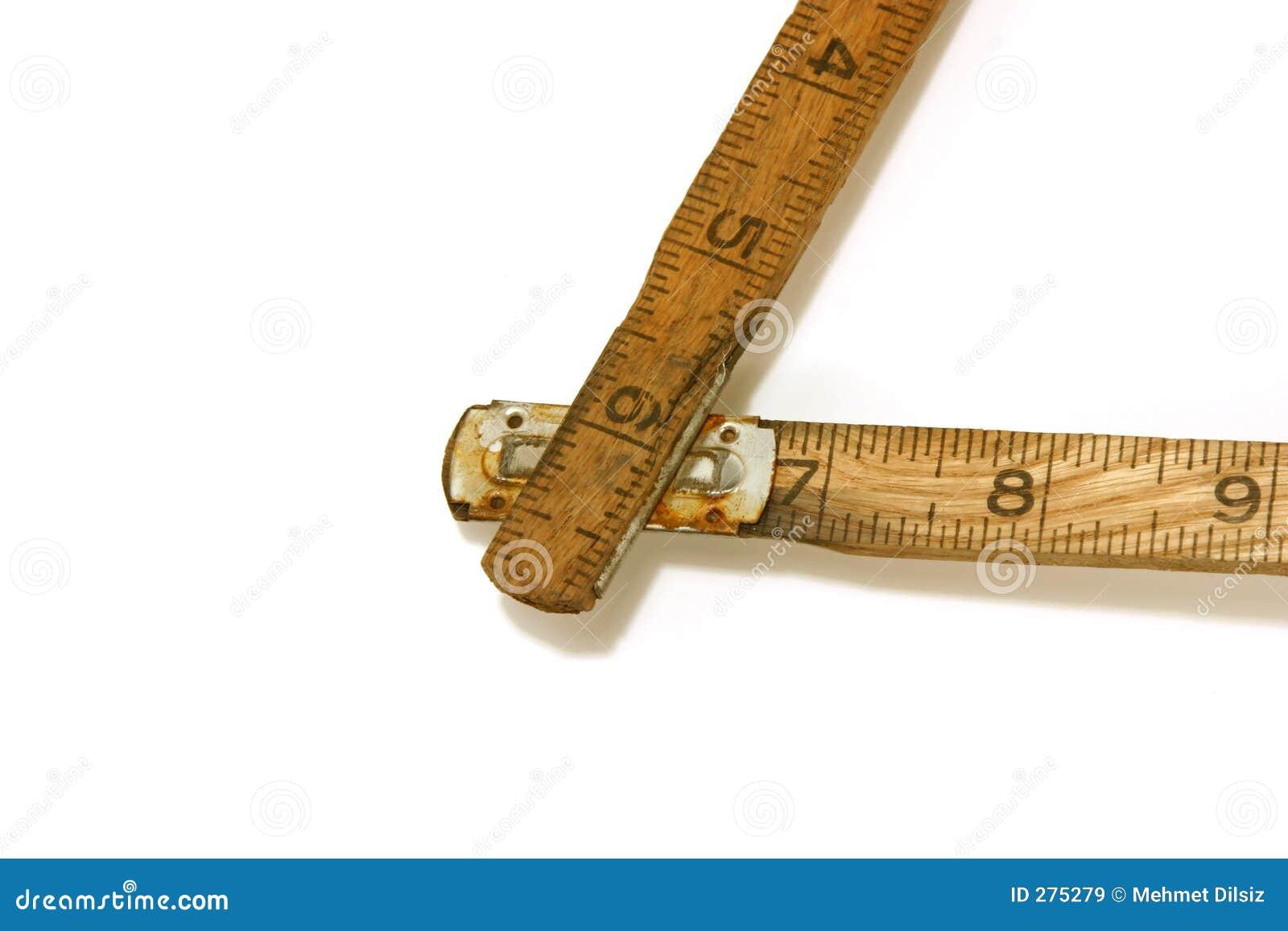 Tätt hörn som mäter upp det gammala linjalbandet