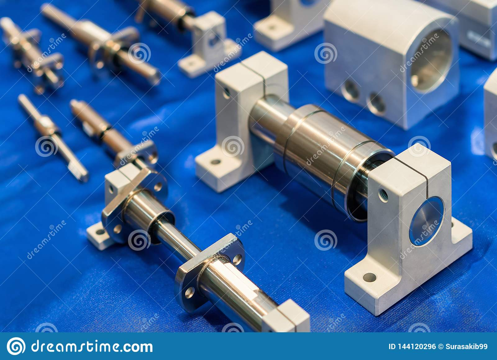 Tätt upp många format av den högkvalitativ och linjära kullagerhandboken för precision av maskinen för industriellt arbete på tab