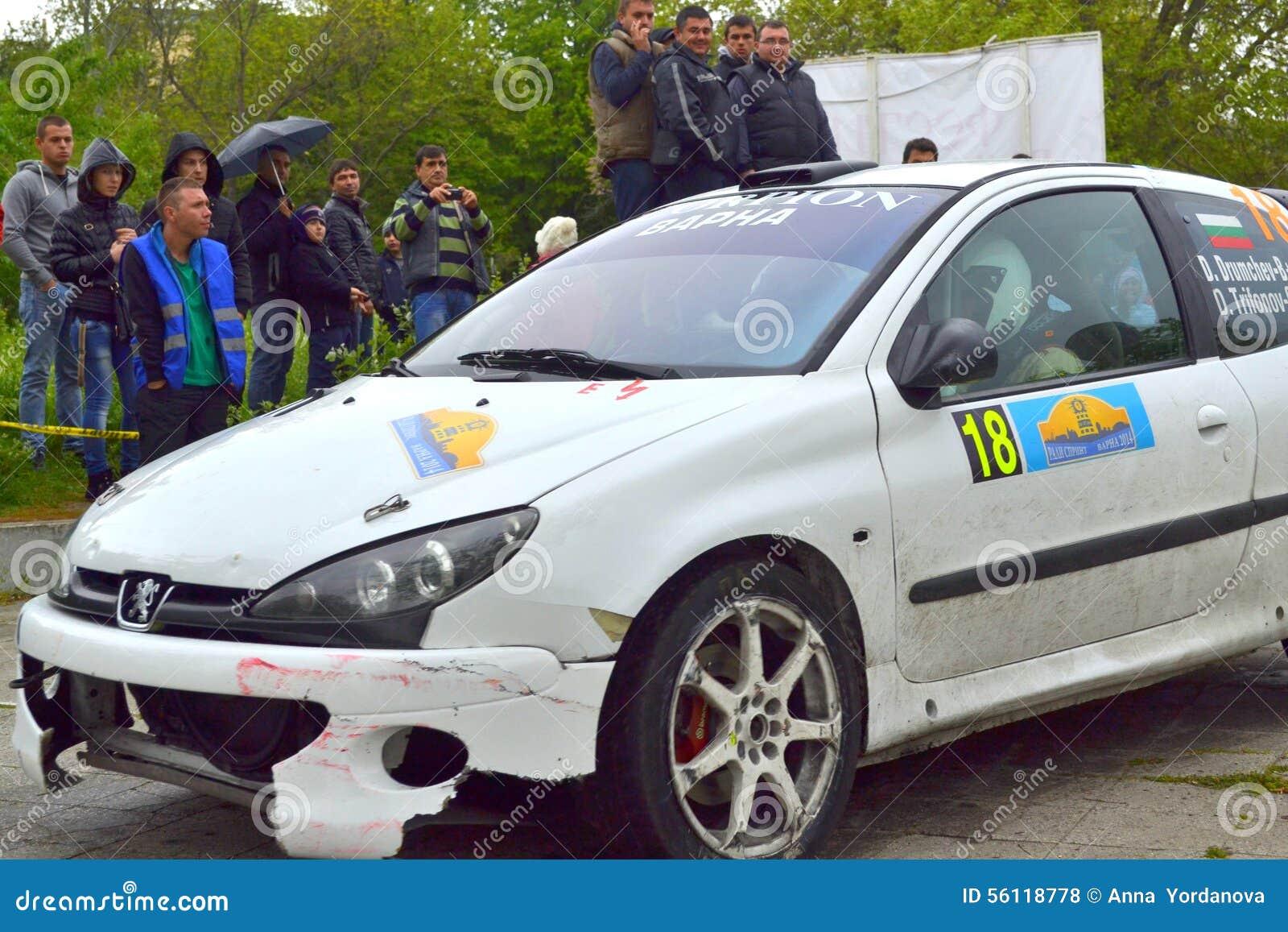 Tävlings- bil i finalen