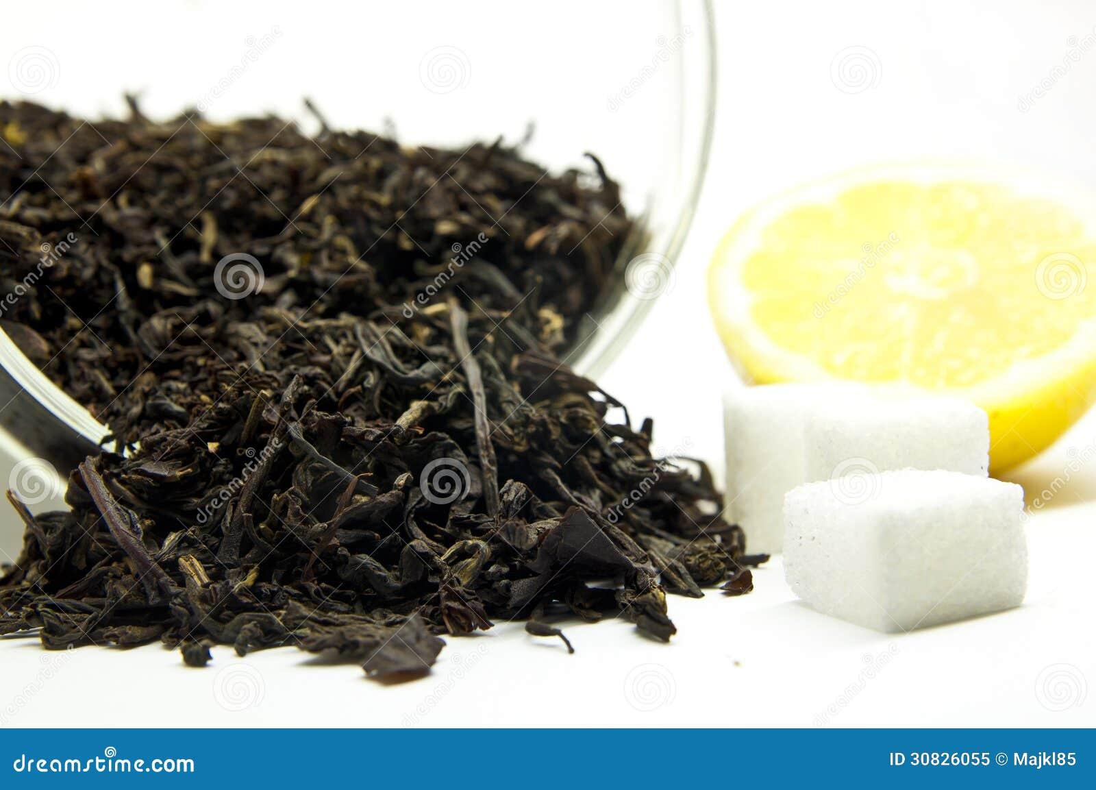 Tè con il limone e lo zucchero
