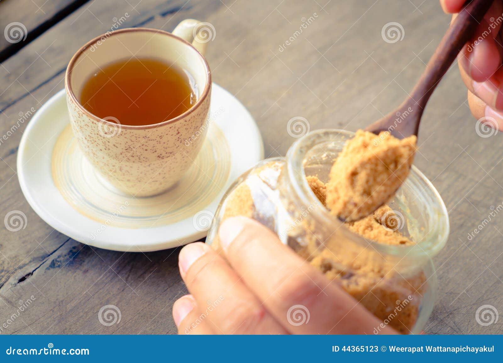 Tè con zucchero