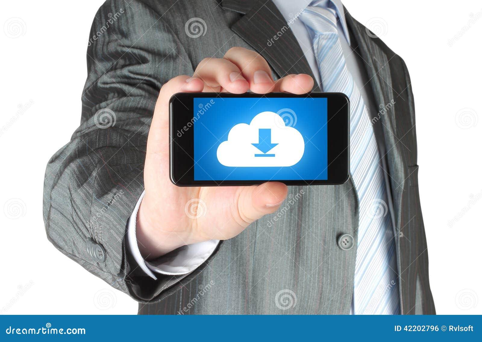 Téléphone intelligent de prises d homme avec le concept de téléchargement de nuage