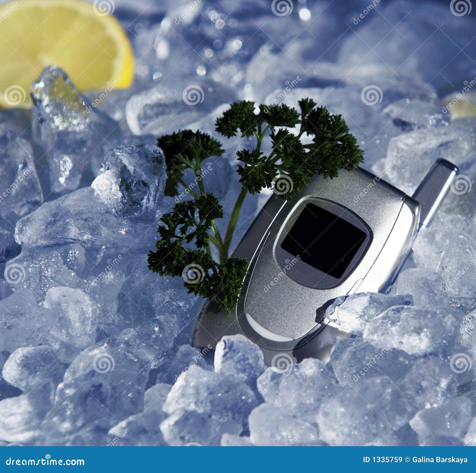 Téléphone portable sur la glace