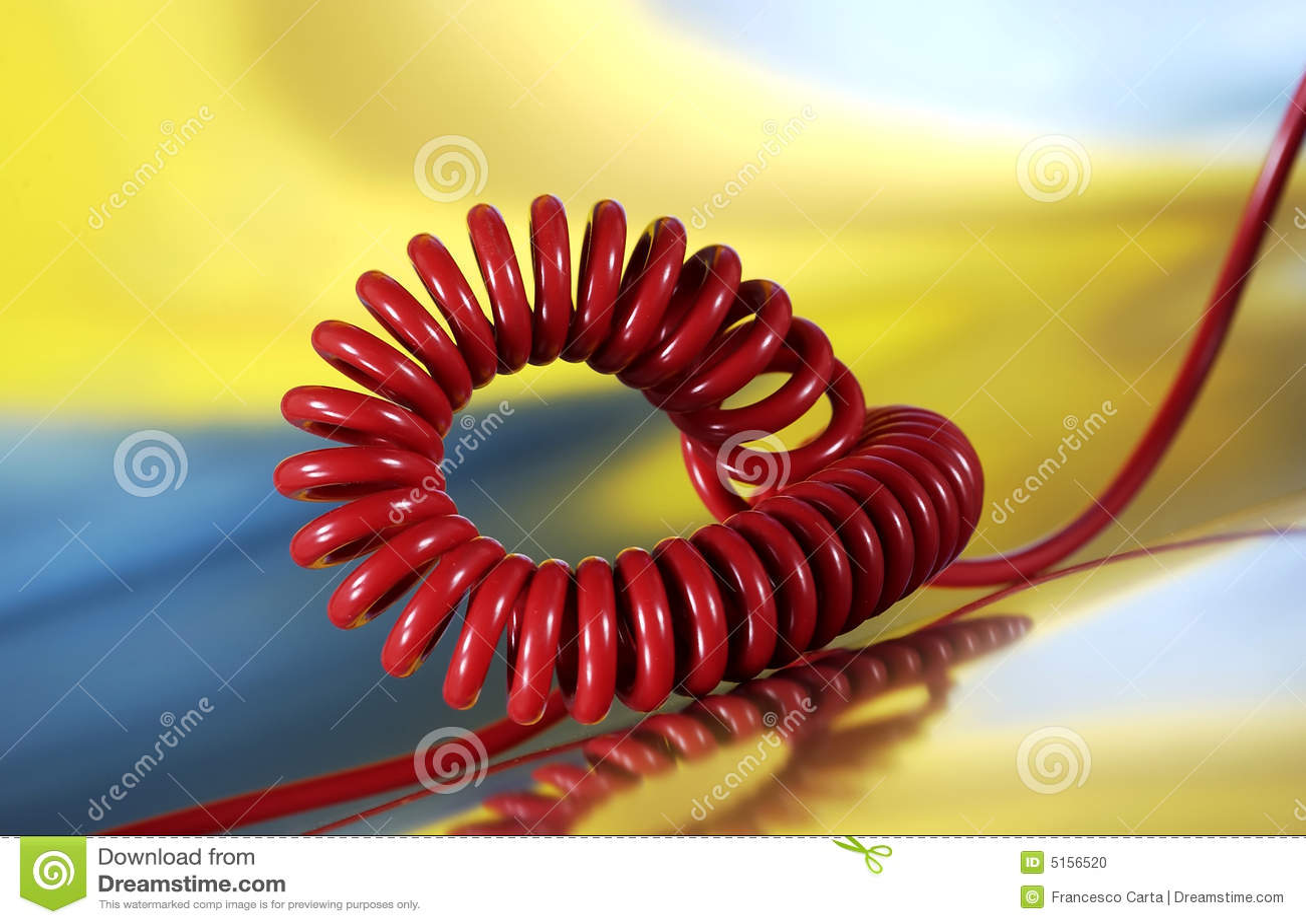 Téléphone spiralé de câble