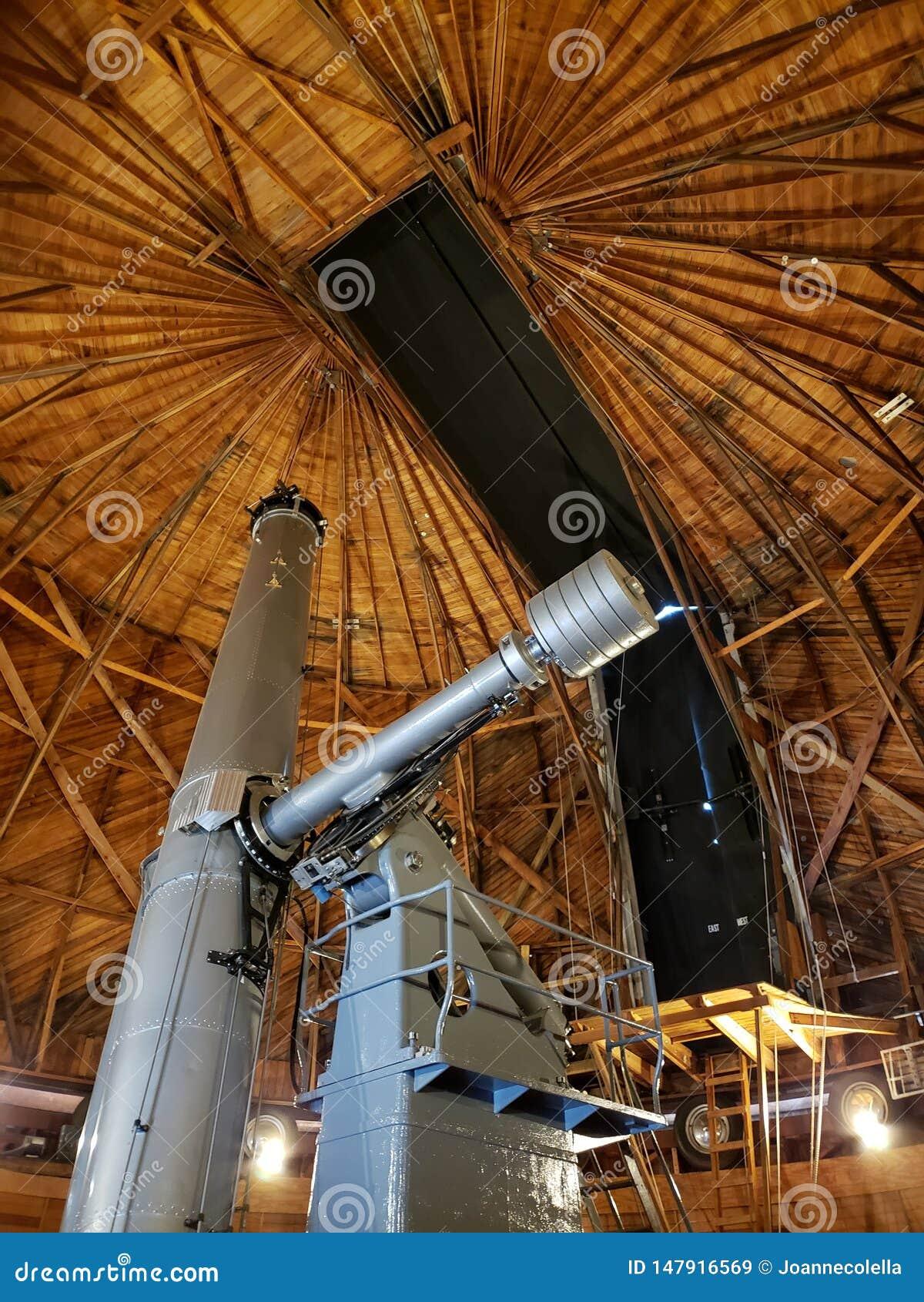 Télescope chez Lowell Observatory dans la hampe de drapeaux, AZ
