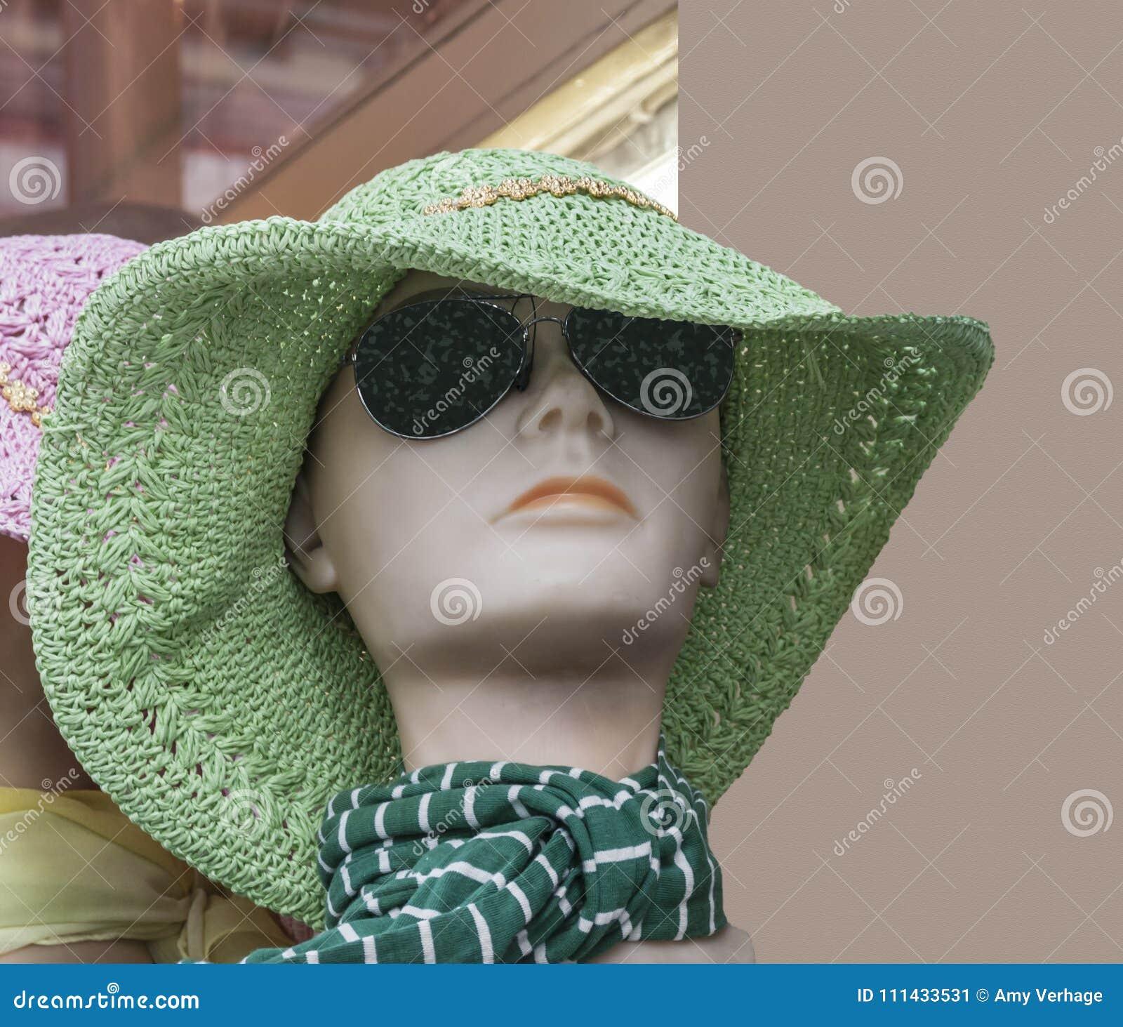 Tête d une poupée de fenêtre de boutique