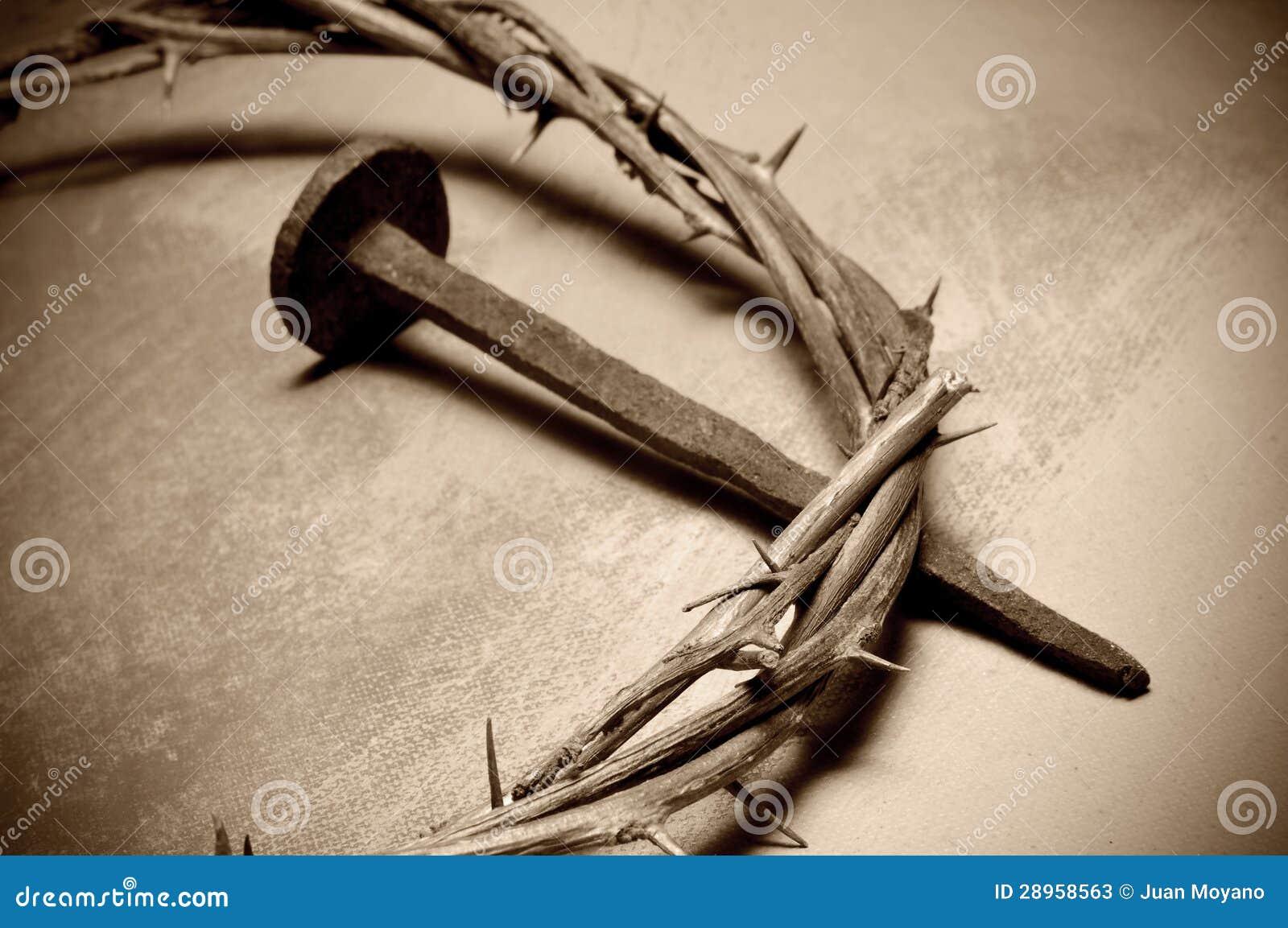 Tête de Jésus-Christ des épines et du clou
