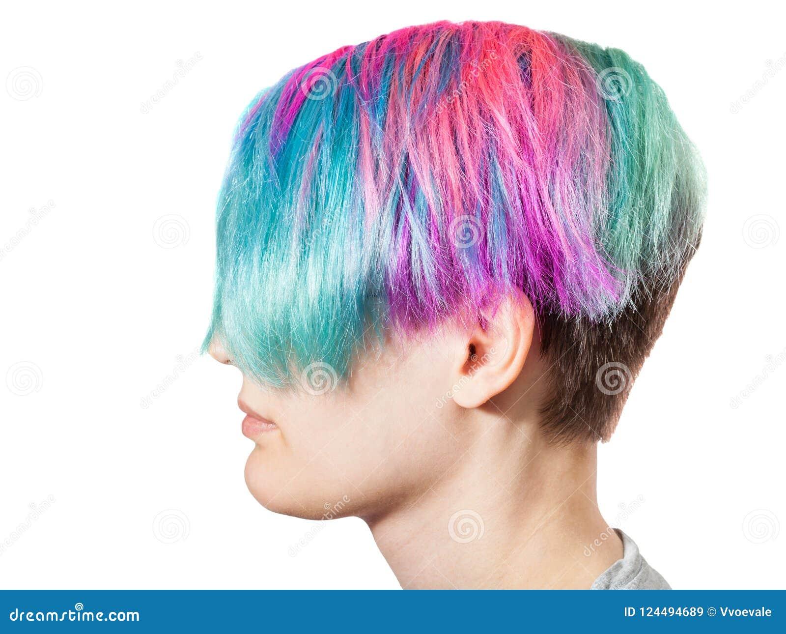 Tête femelle avec les poils teints colorés multi