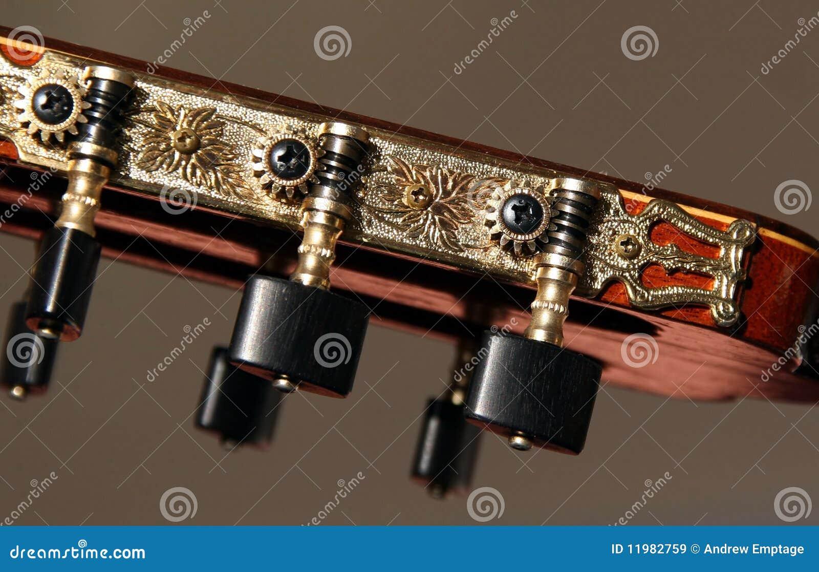Têtes classiques de machine de guitare