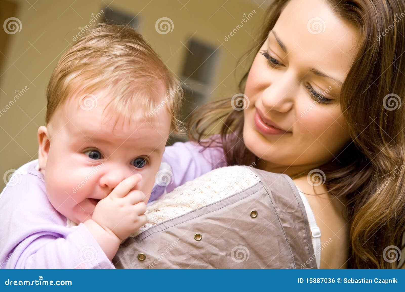 Tía con el bebé