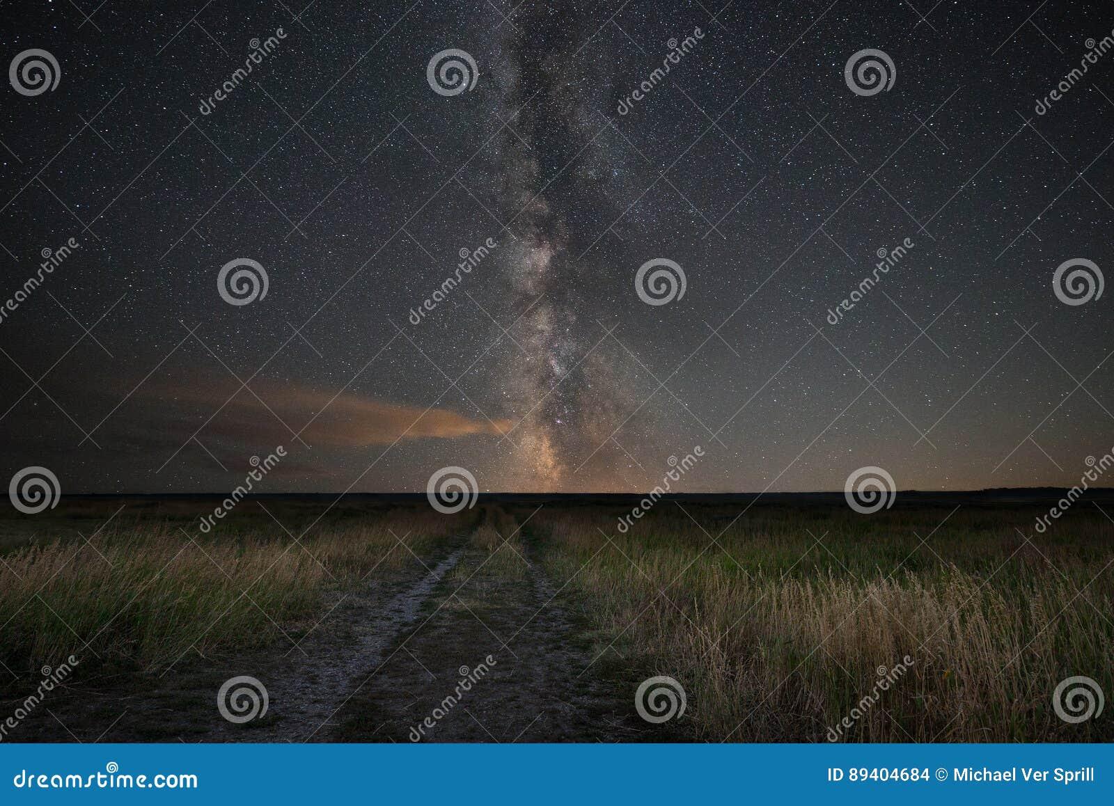 Título da estrada de terra para a galáxia da Via Látea