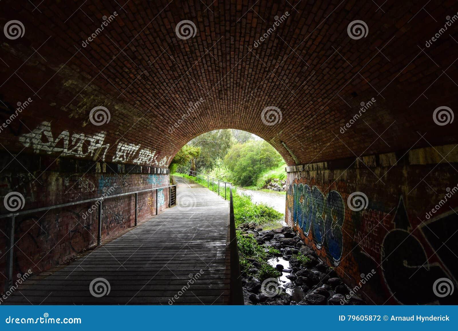Túnel dos Graffitis