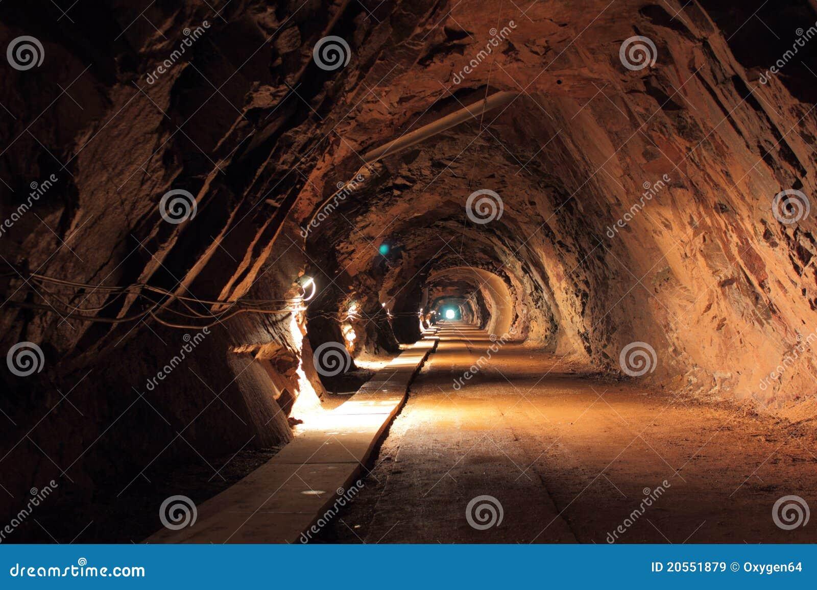 Túnel viejo de la mina