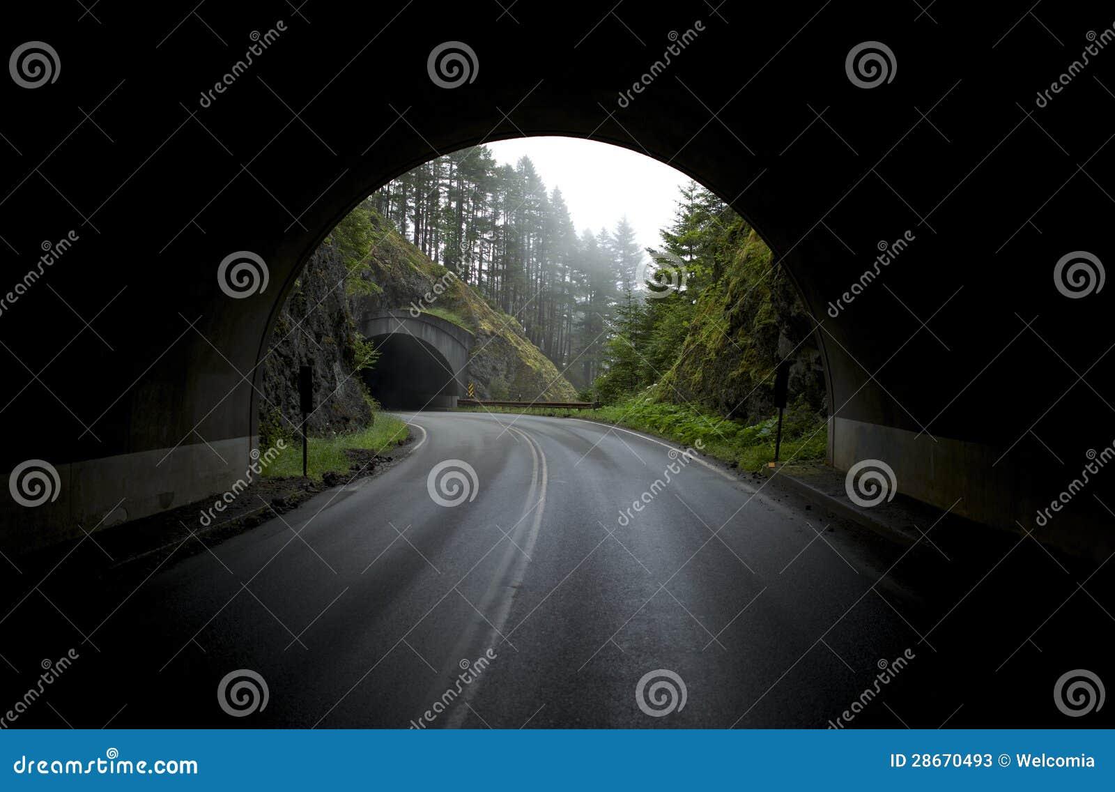 Túneles de la montaña