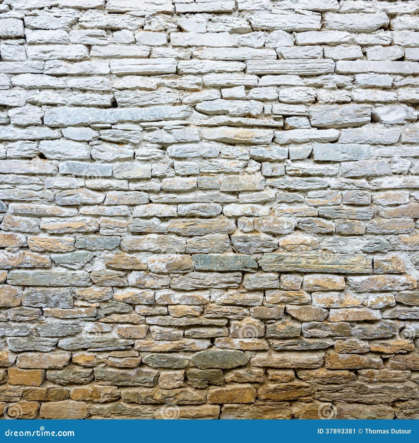 Tünchealte Steinwand