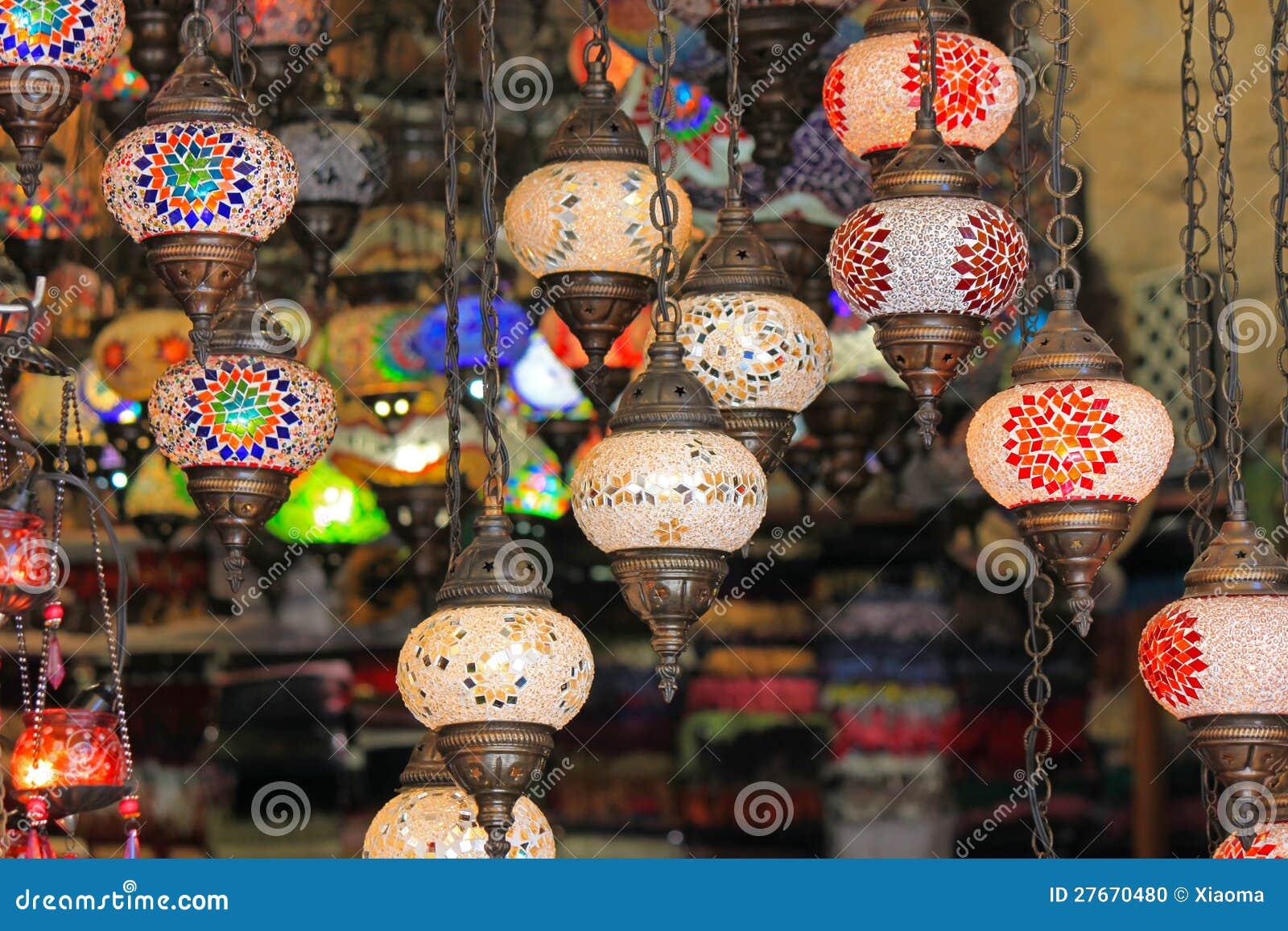T rkische lampe in einem basar stockfoto bild von dekoration orientalisch 27670480 for Mosaik lampe orientalisch