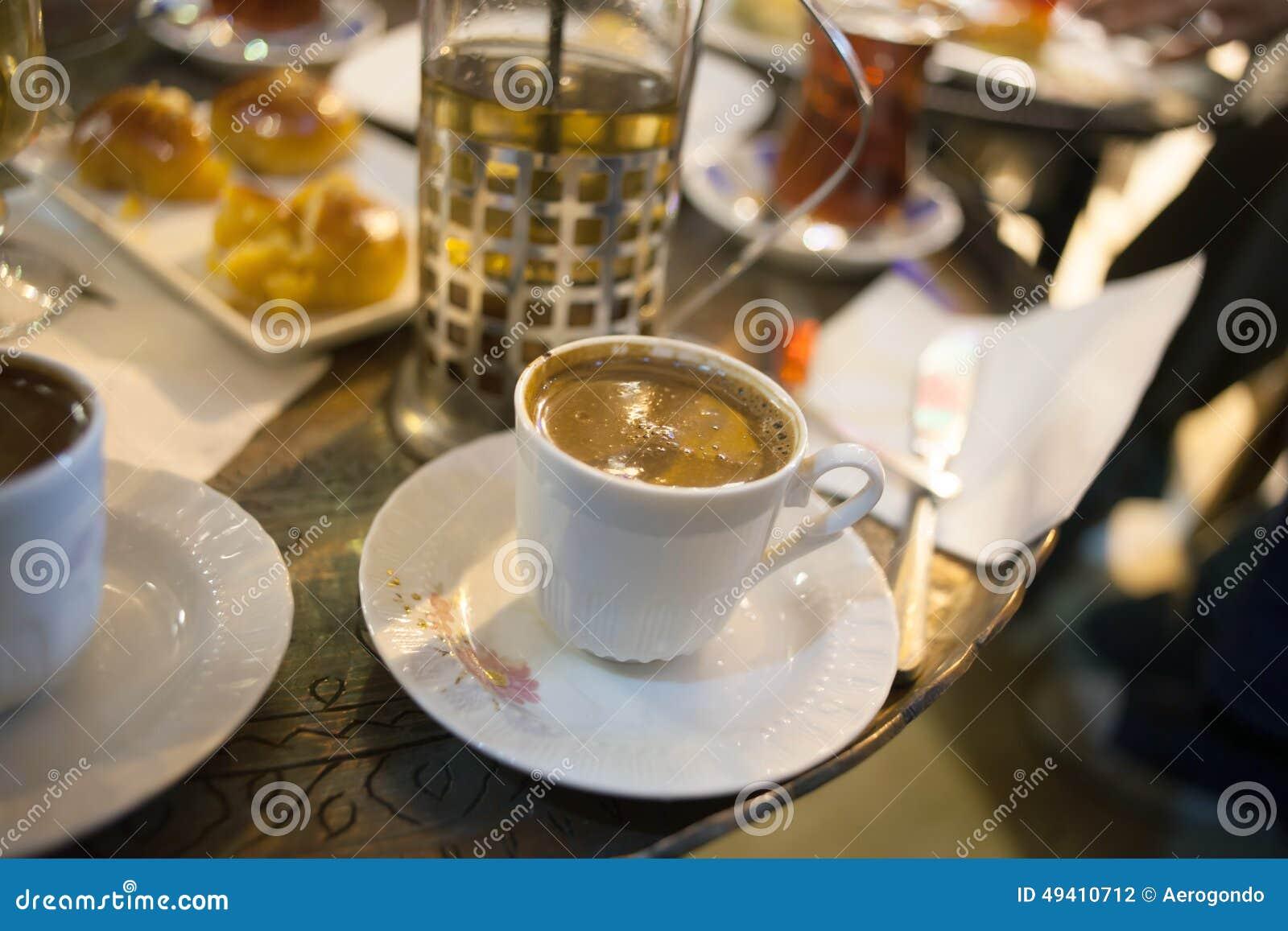 Download Türkischer Kaffee Und Bonbons Stockfoto - Bild von nahaufnahme, imbiß: 49410712