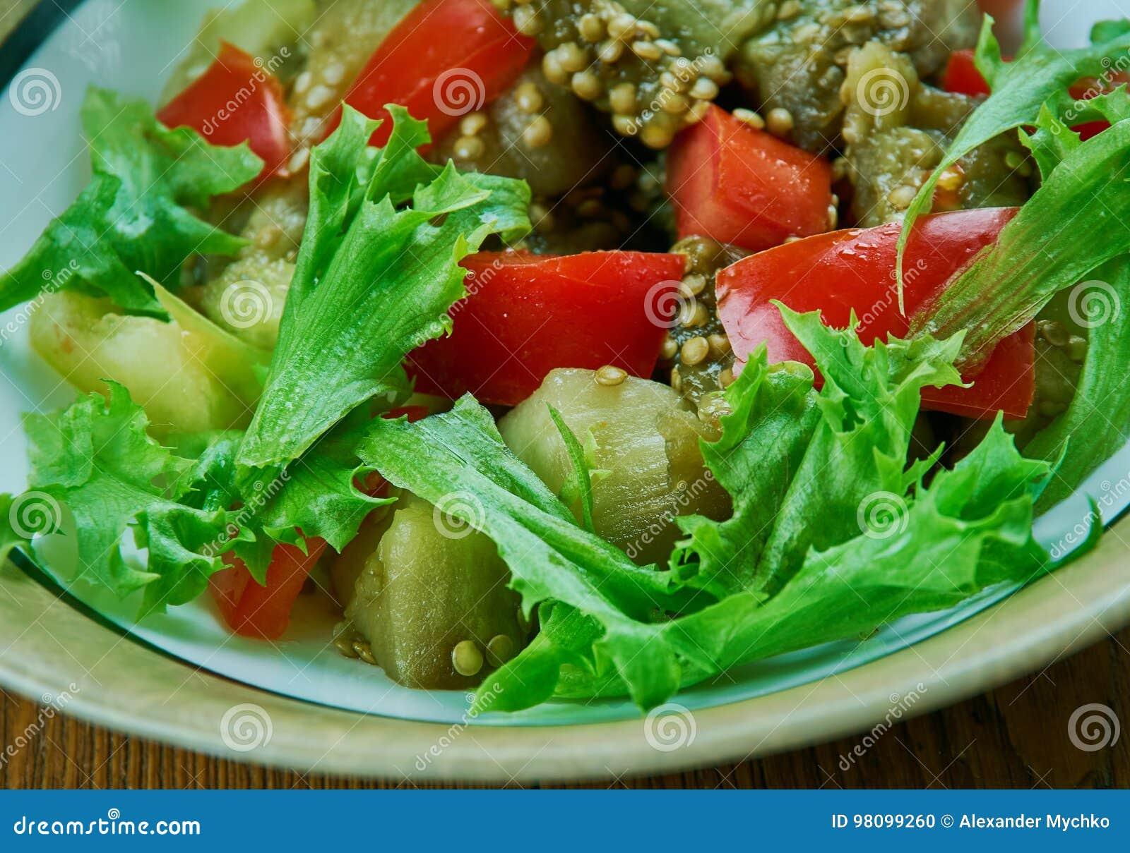 Türkischer Salat mit Aubergine