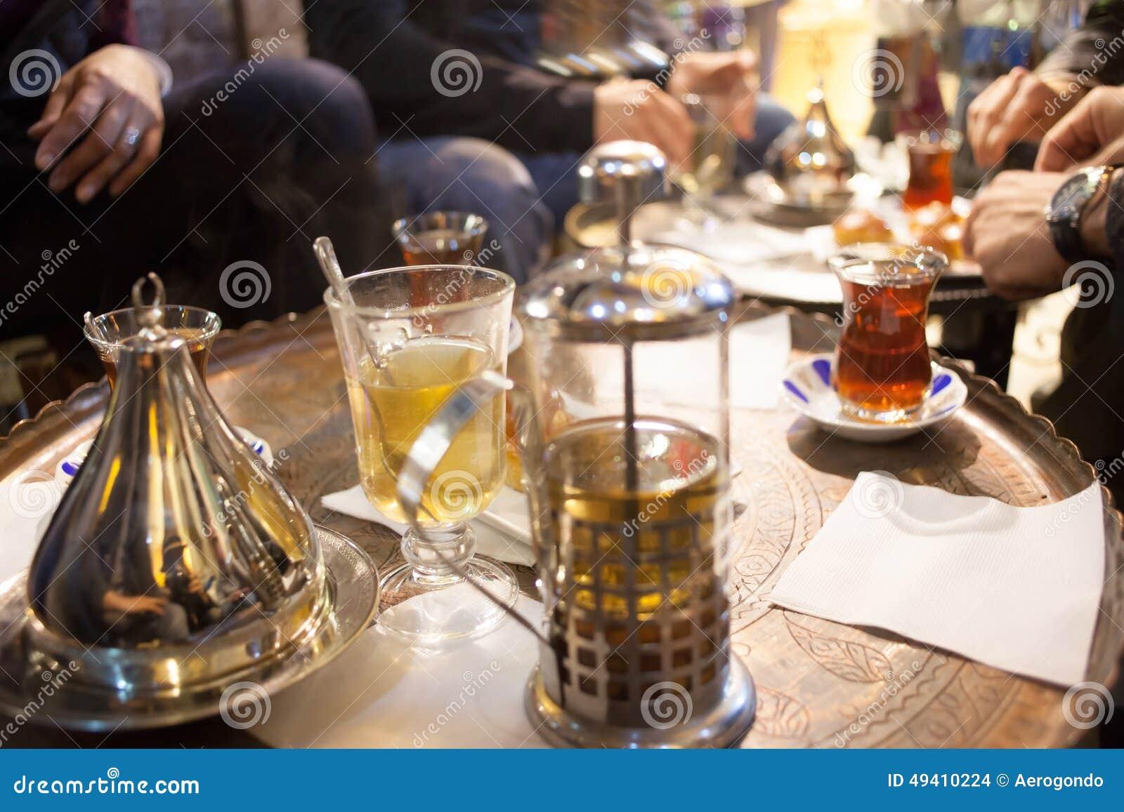 Download Türkischer Tee stockfoto. Bild von schön, hell, imbiß - 49410224