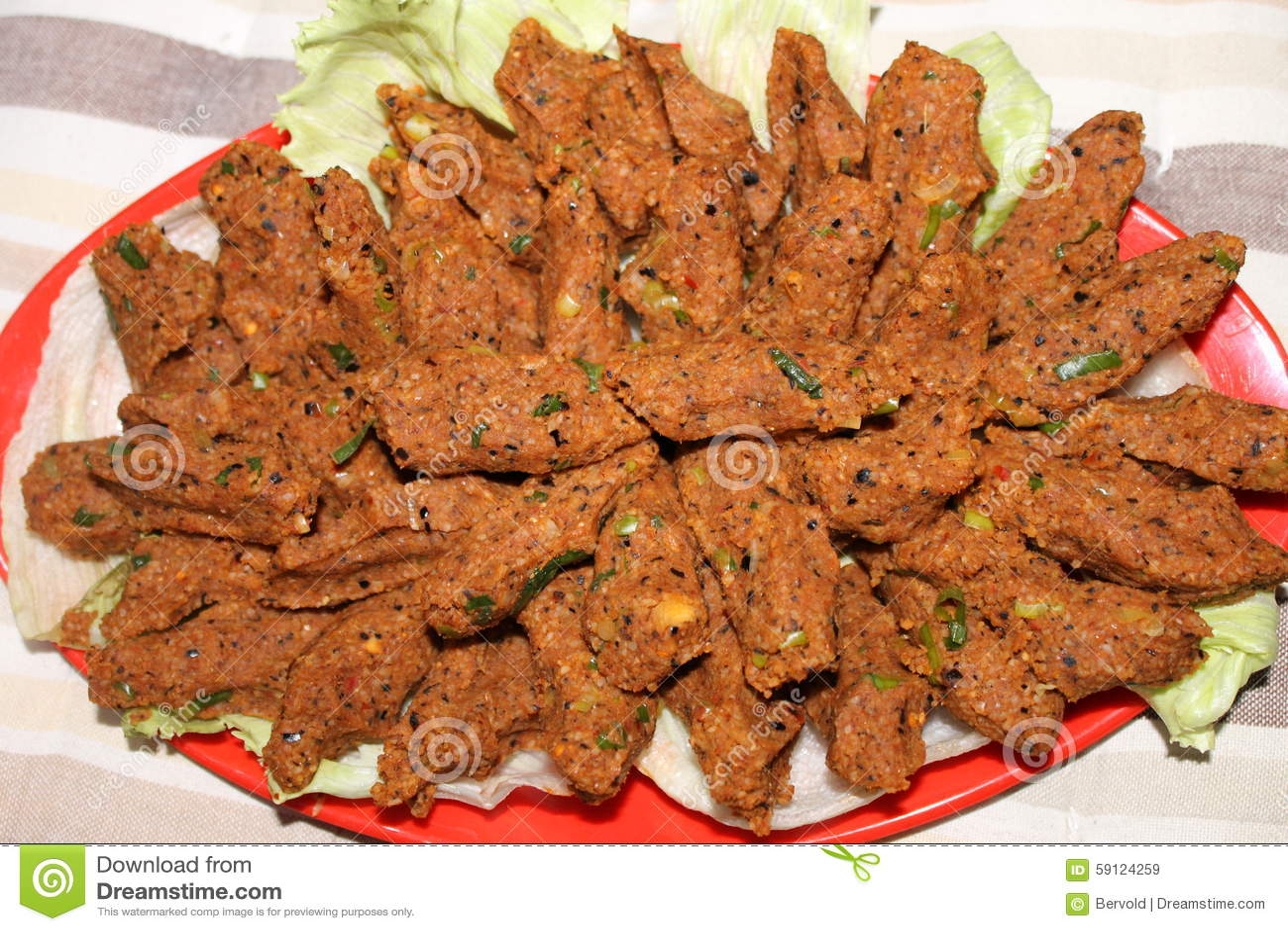 Türkische Sommerküche : Türkisches nationalgerichtchi kufte stockbild bild von sommer