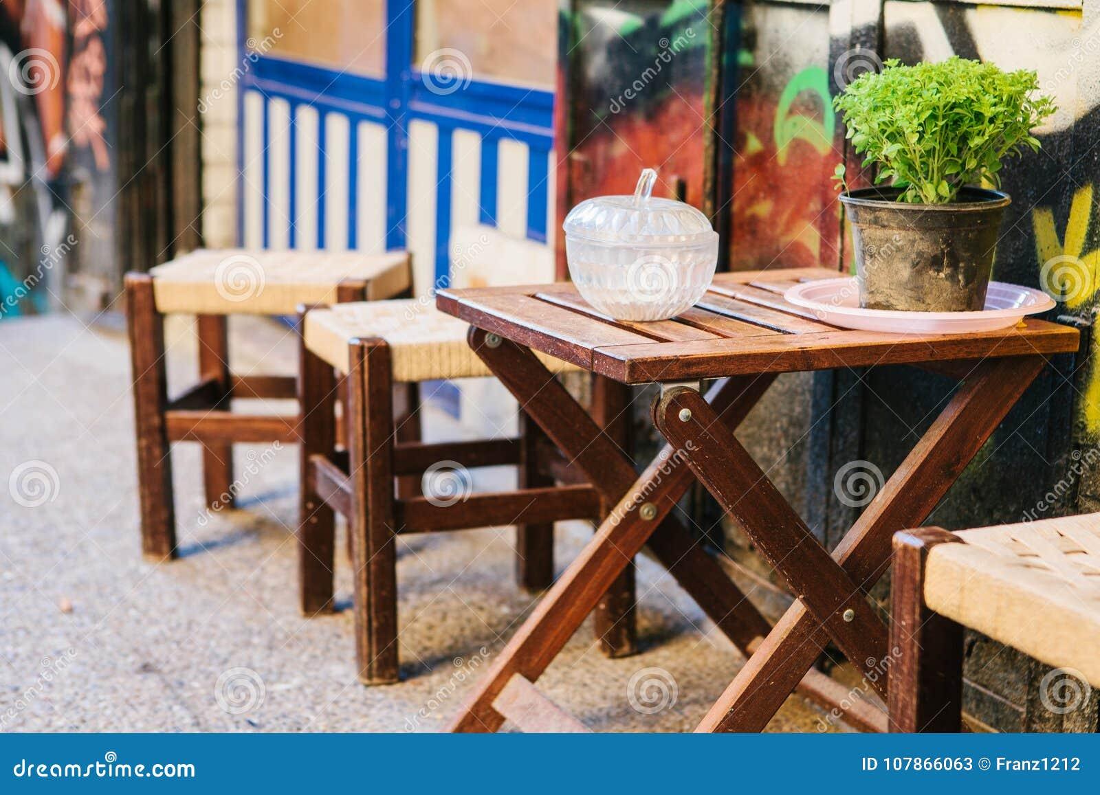 Sthle zu holztisch finest esstisch sthle wei einzigartig for Holztisch gunstig