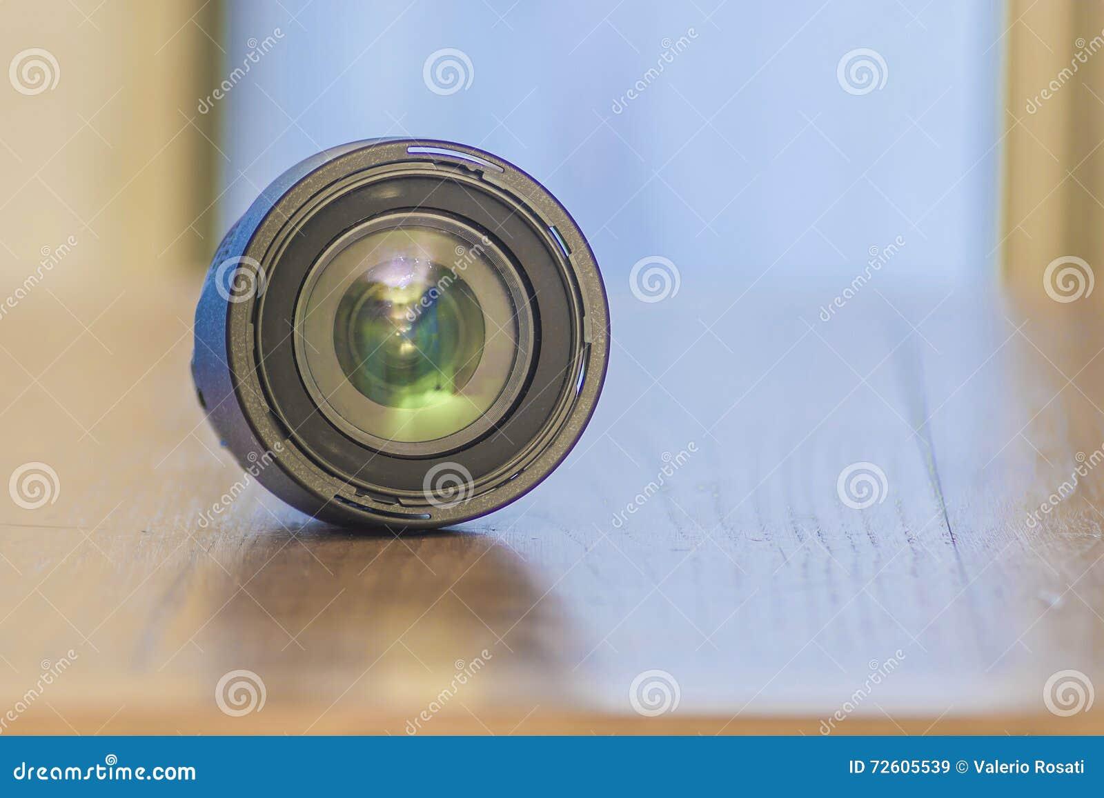 Tła odosobniony obiektywu fotografii biel