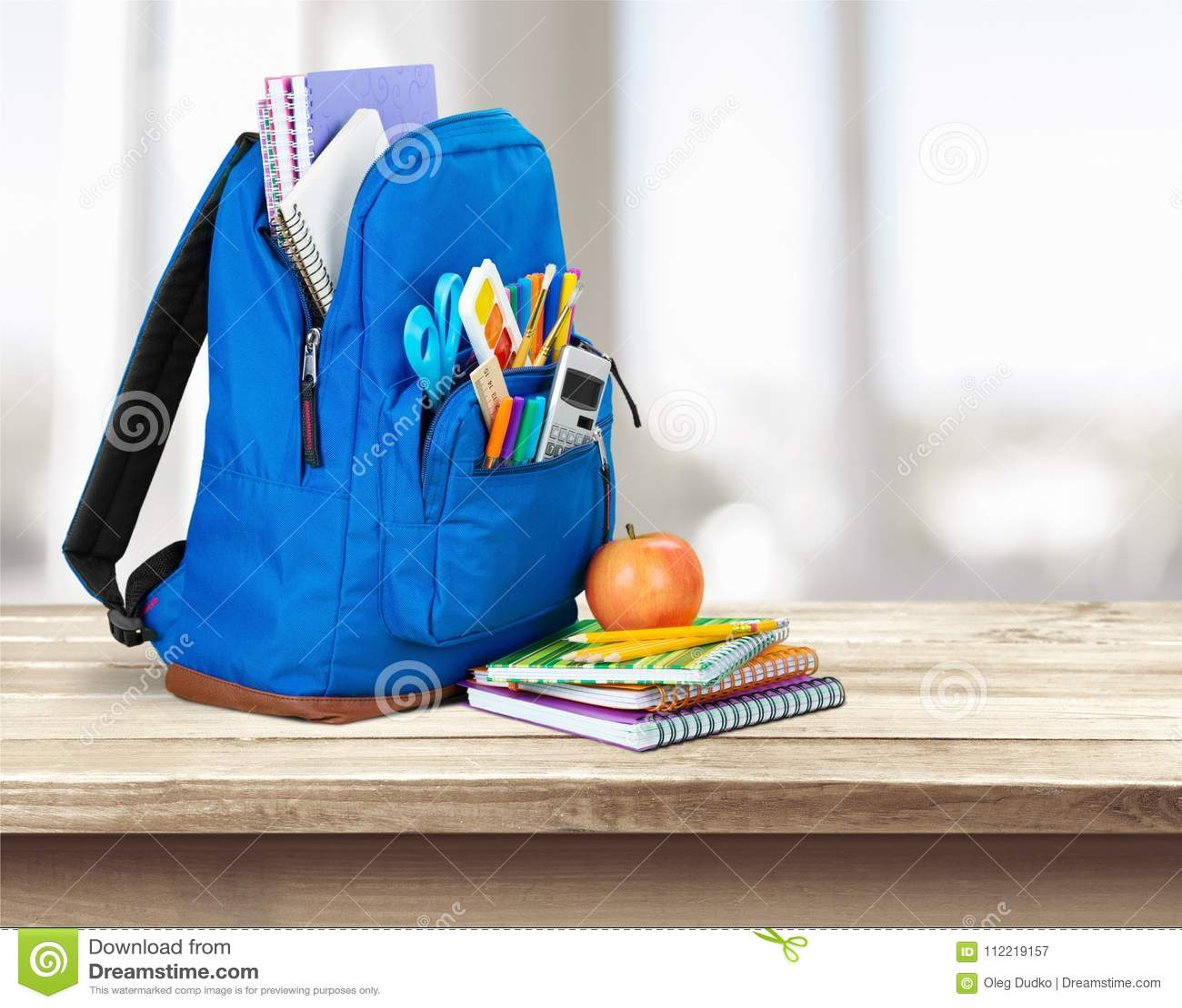 Tła torby błękitny latanie opuszczać klon szkoły